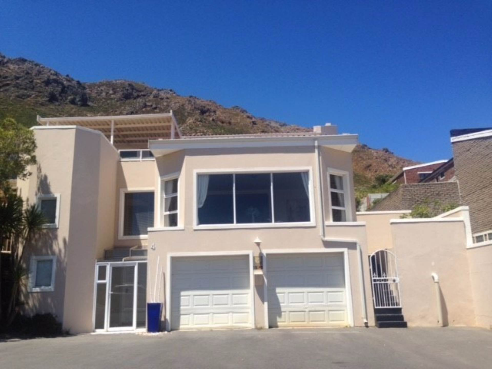 4 BedroomHouse To Rent In Mountainside