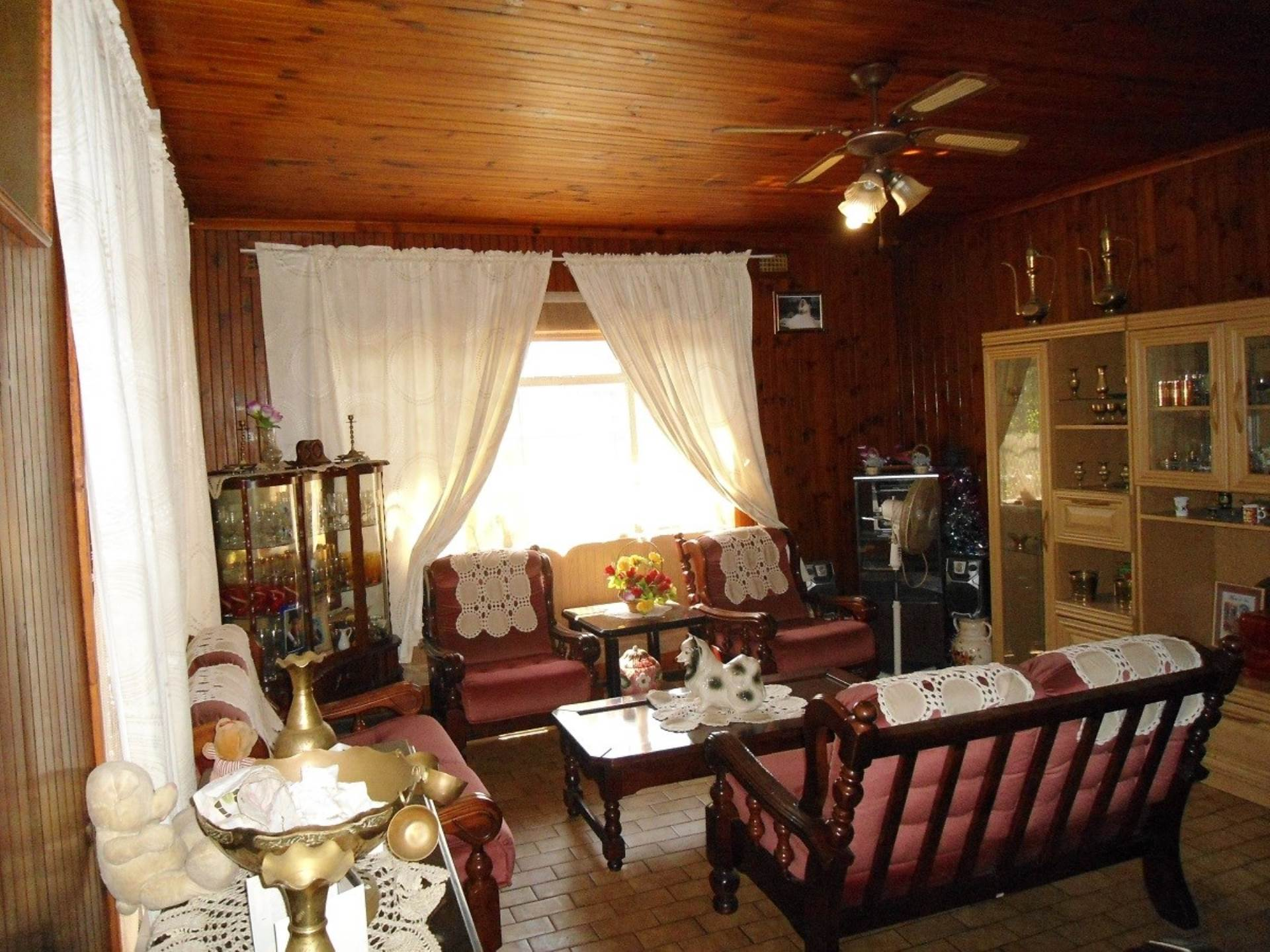3 BedroomHouse For Sale In Leonsdale