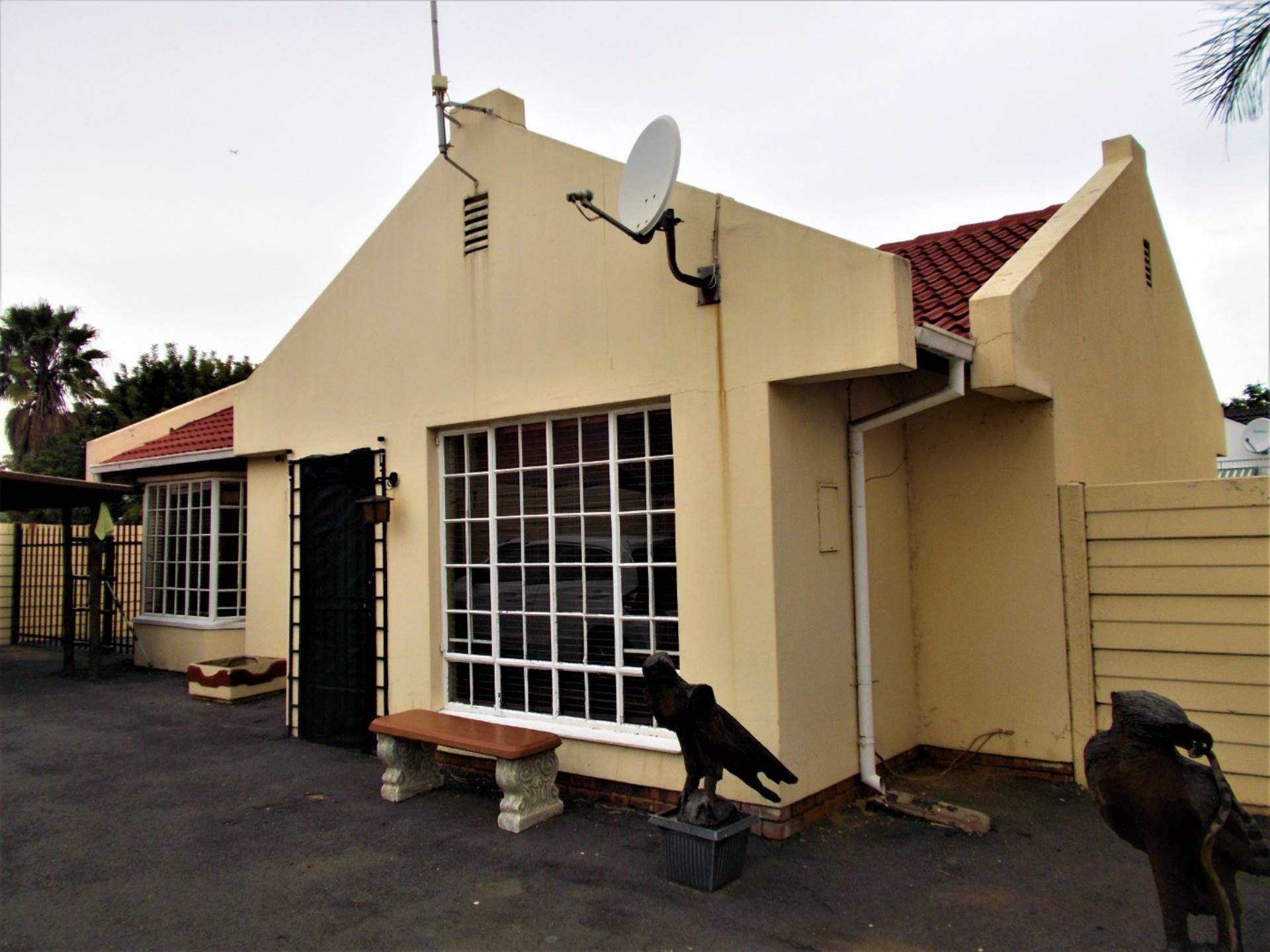 2 BedroomHouse For Sale In Huntingdon