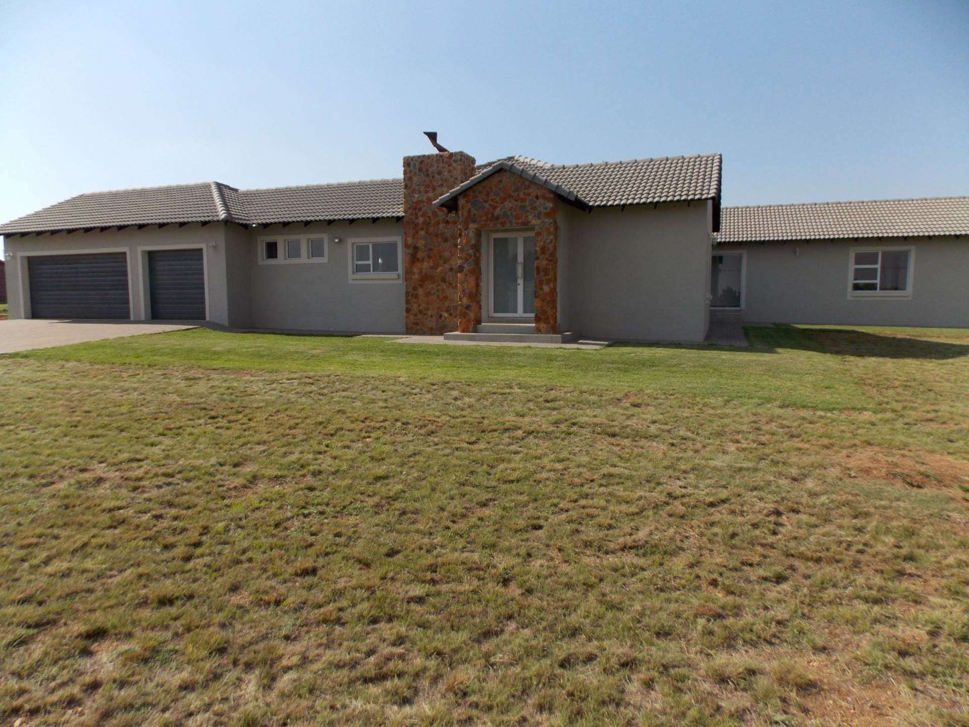 Property and Houses for sale in Grootfontein Country Estate, House, 4 Bedrooms - ZAR 2,595,000