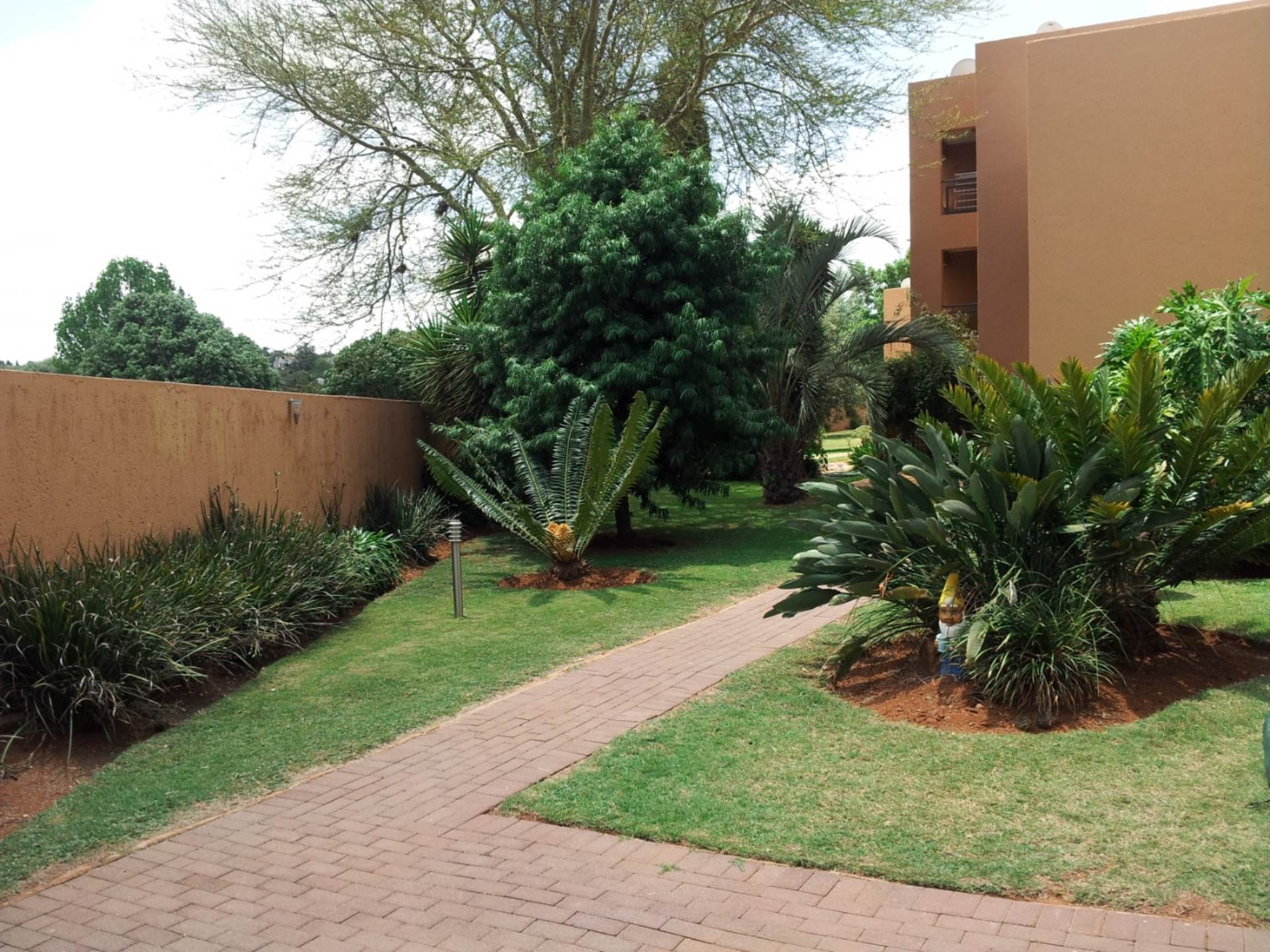 Waterkloof Ridge property for sale. Ref No: 13549771. Picture no 16