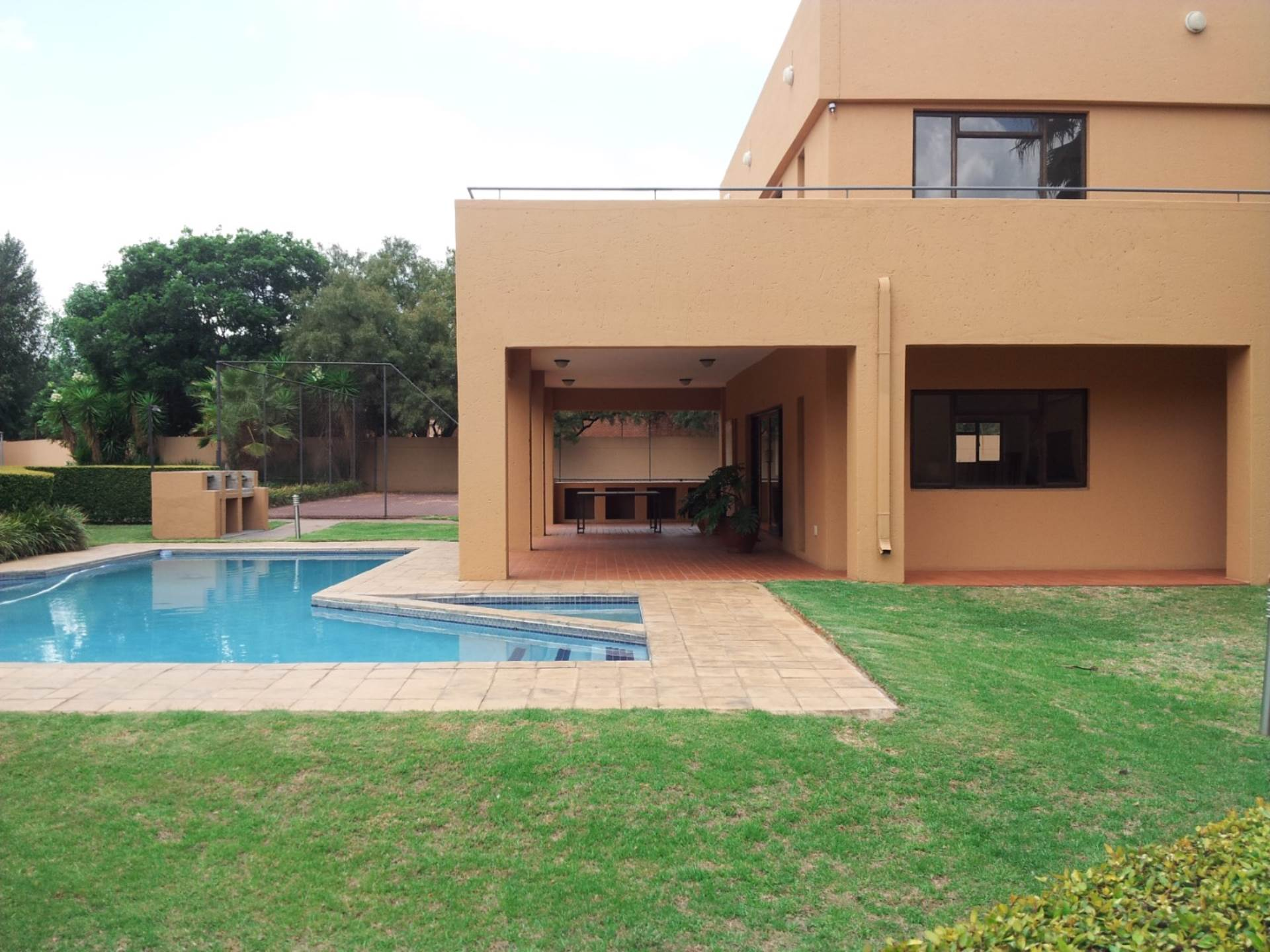 Waterkloof Ridge property for sale. Ref No: 13549771. Picture no 1
