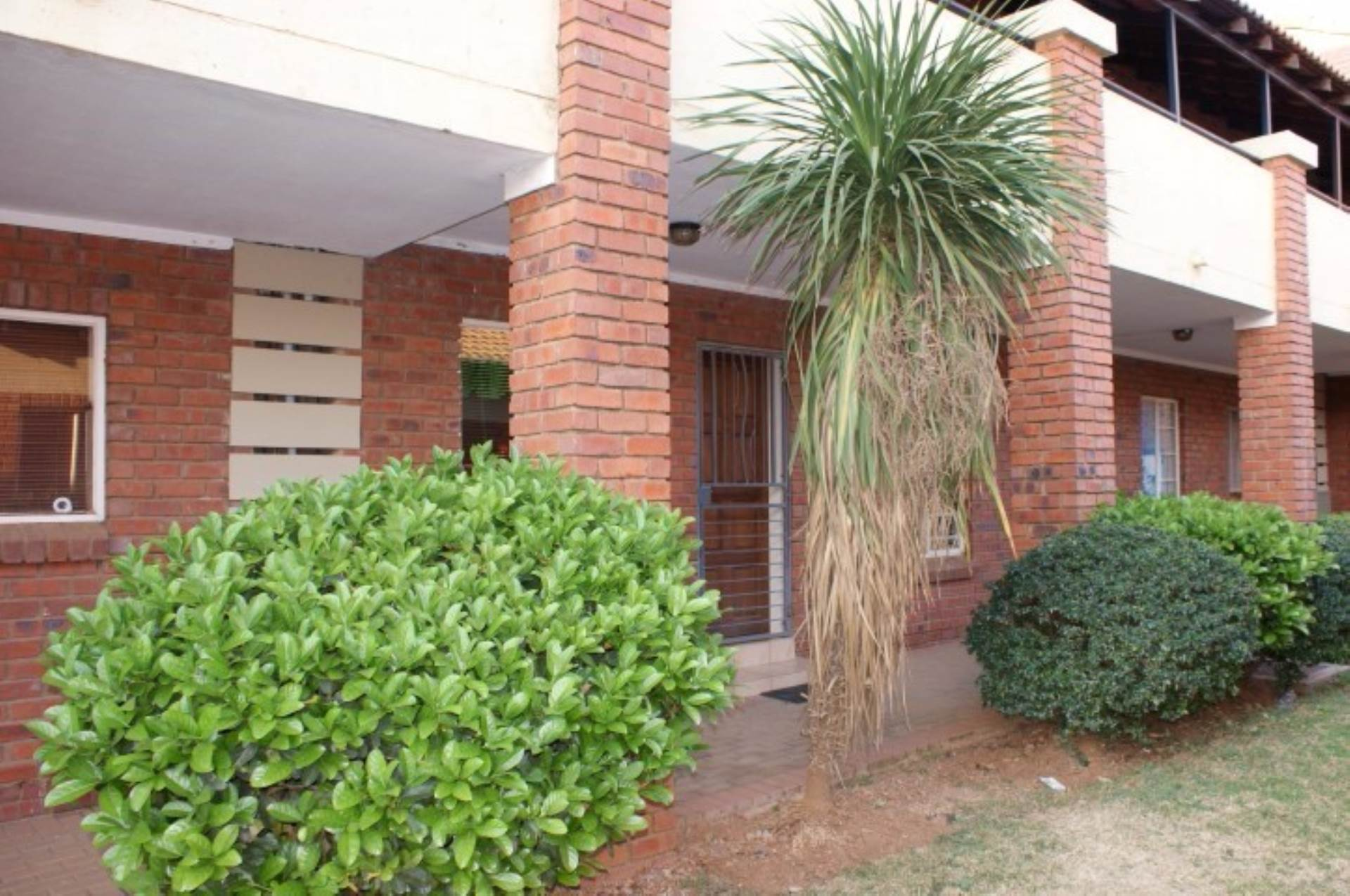 Mooikloof Ridge property for sale. Ref No: 13534139. Picture no 2