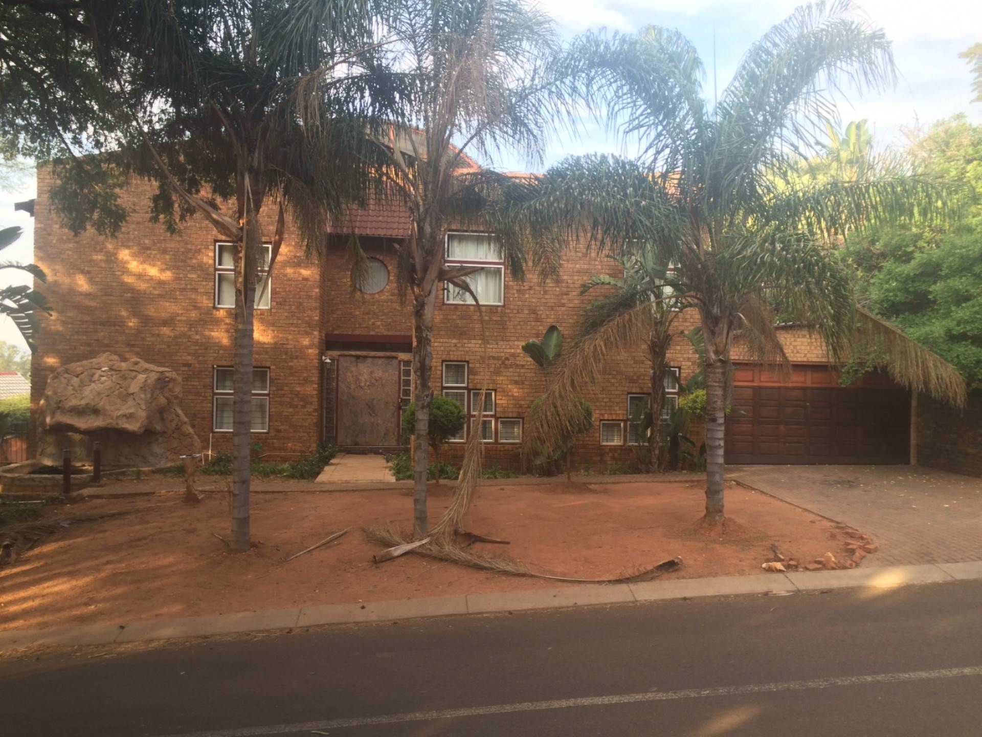 5 BedroomHouse To Rent In Amandasig