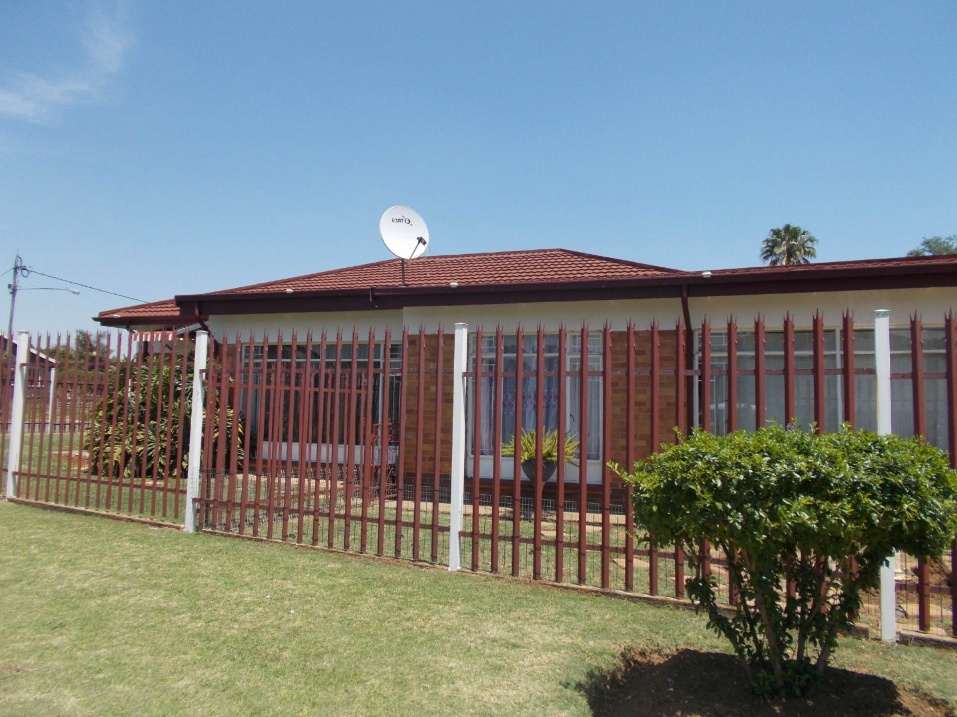 3 BedroomHouse For Sale In Geduld