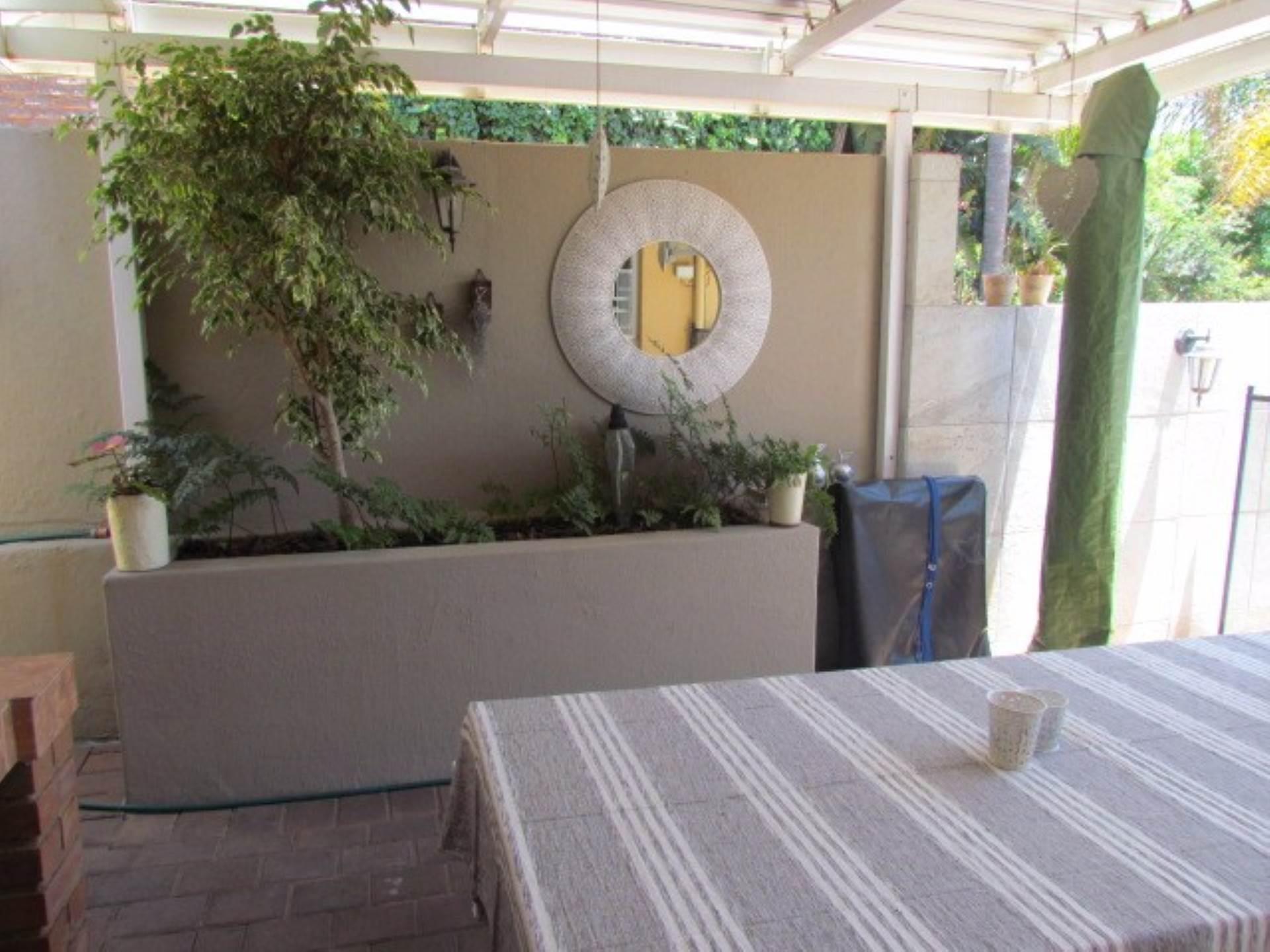 Erasmusrand property for sale. Ref No: 13551097. Picture no 6