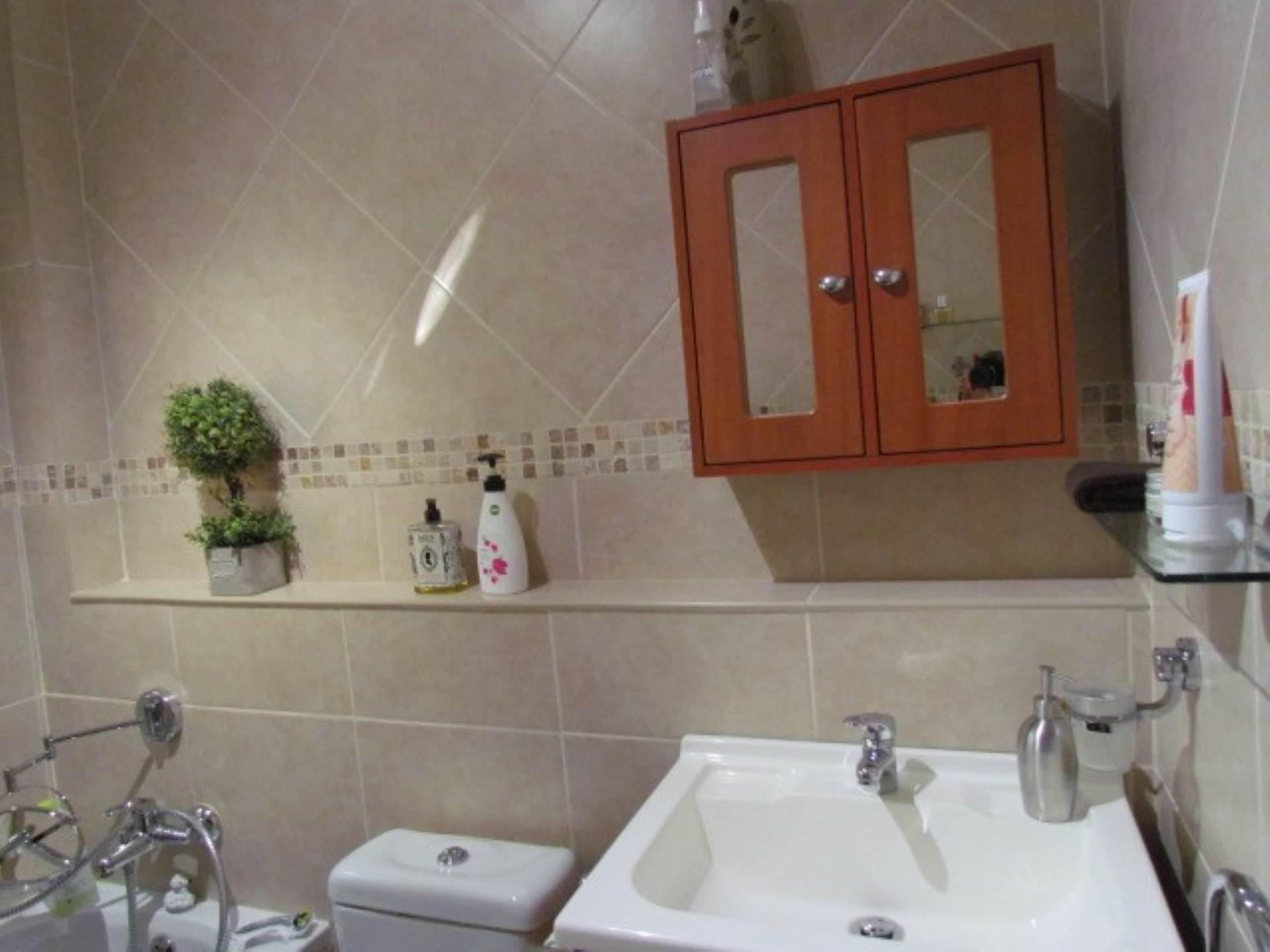 Erasmusrand property for sale. Ref No: 13551097. Picture no 18