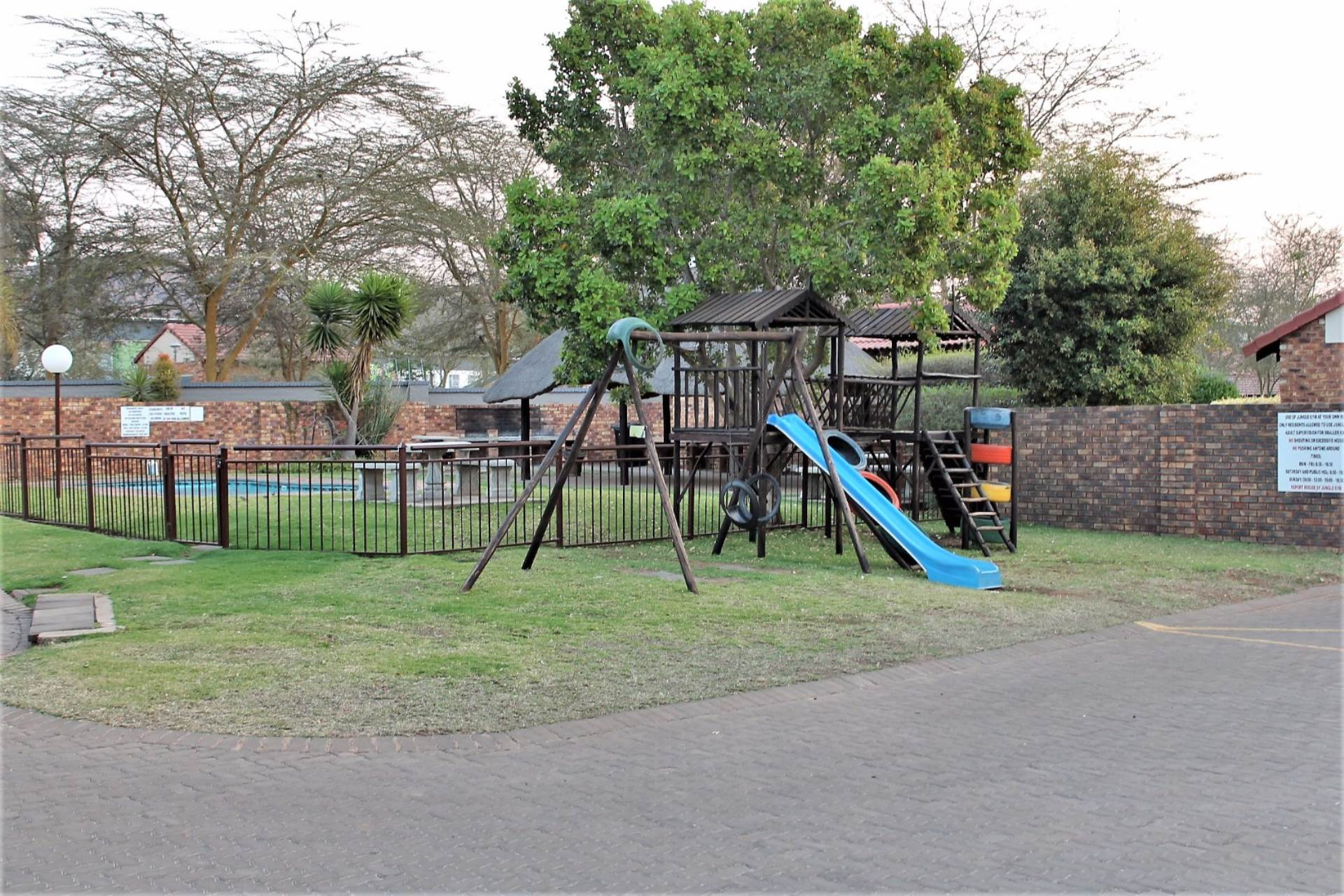 Theresapark property for sale. Ref No: 13551510. Picture no 20
