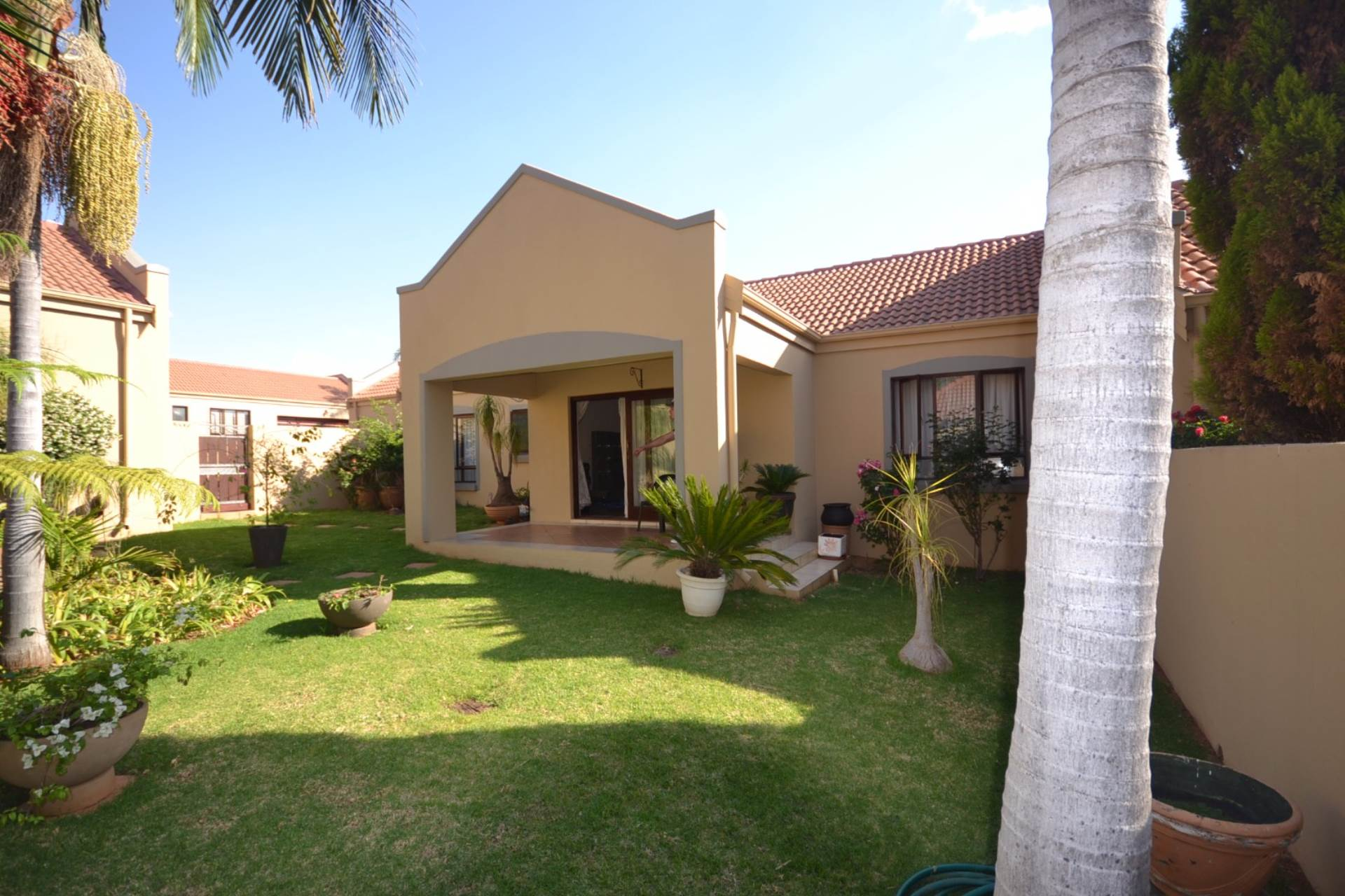 Property and Houses for sale in Olympus - Page 4, Townhouse, 3 Bedrooms - ZAR 1,680,000