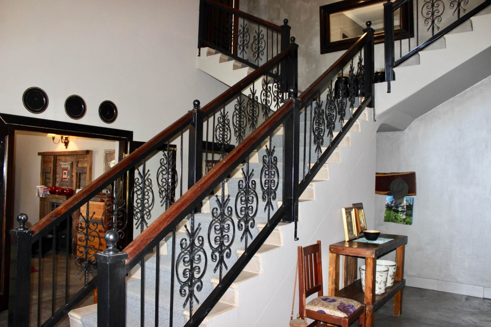 Woodland Hills property for sale. Ref No: 13551799. Picture no 3