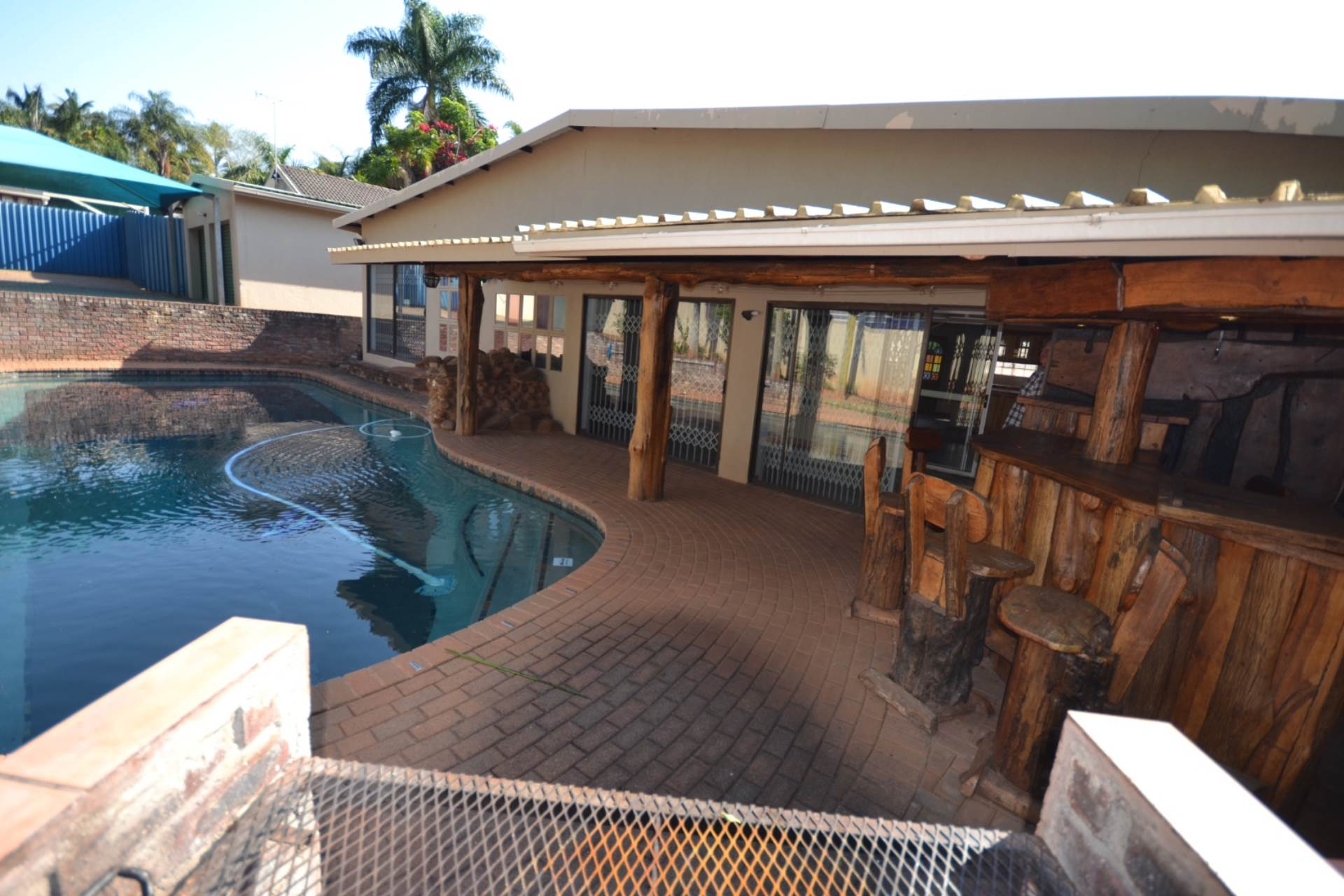 5 BedroomHouse For Sale In Parkville