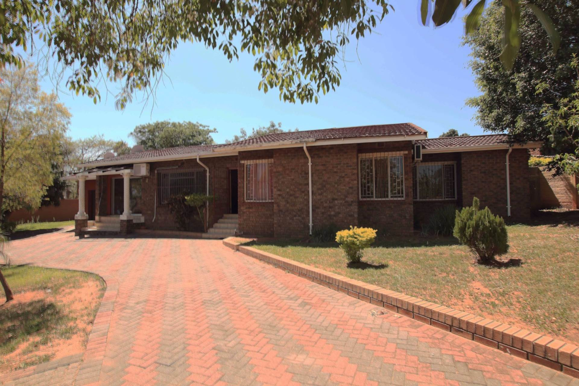 3 BedroomHouse For Sale In West Acres Ext 8