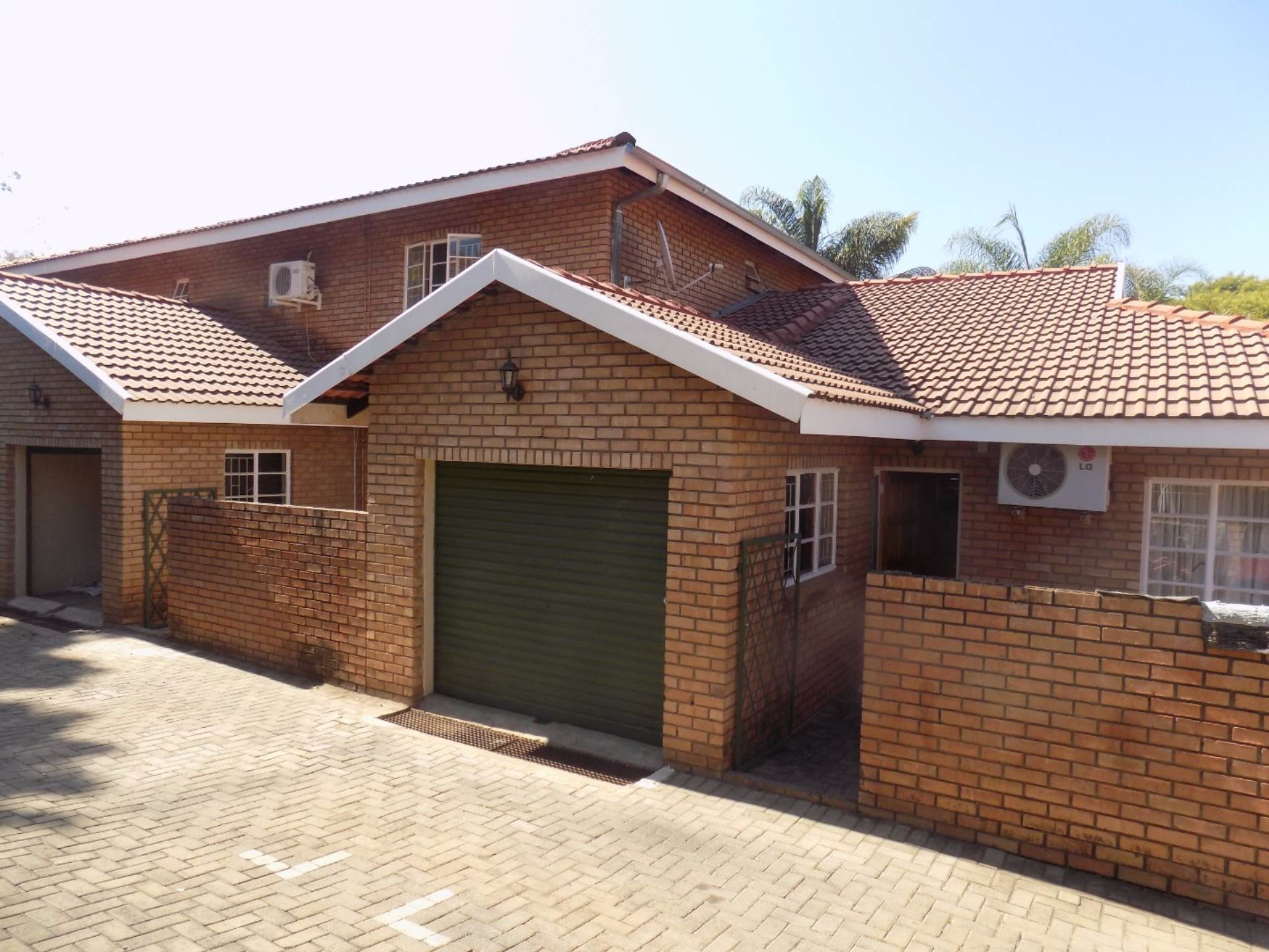 2 BedroomTownhouse For Sale In Arborpark