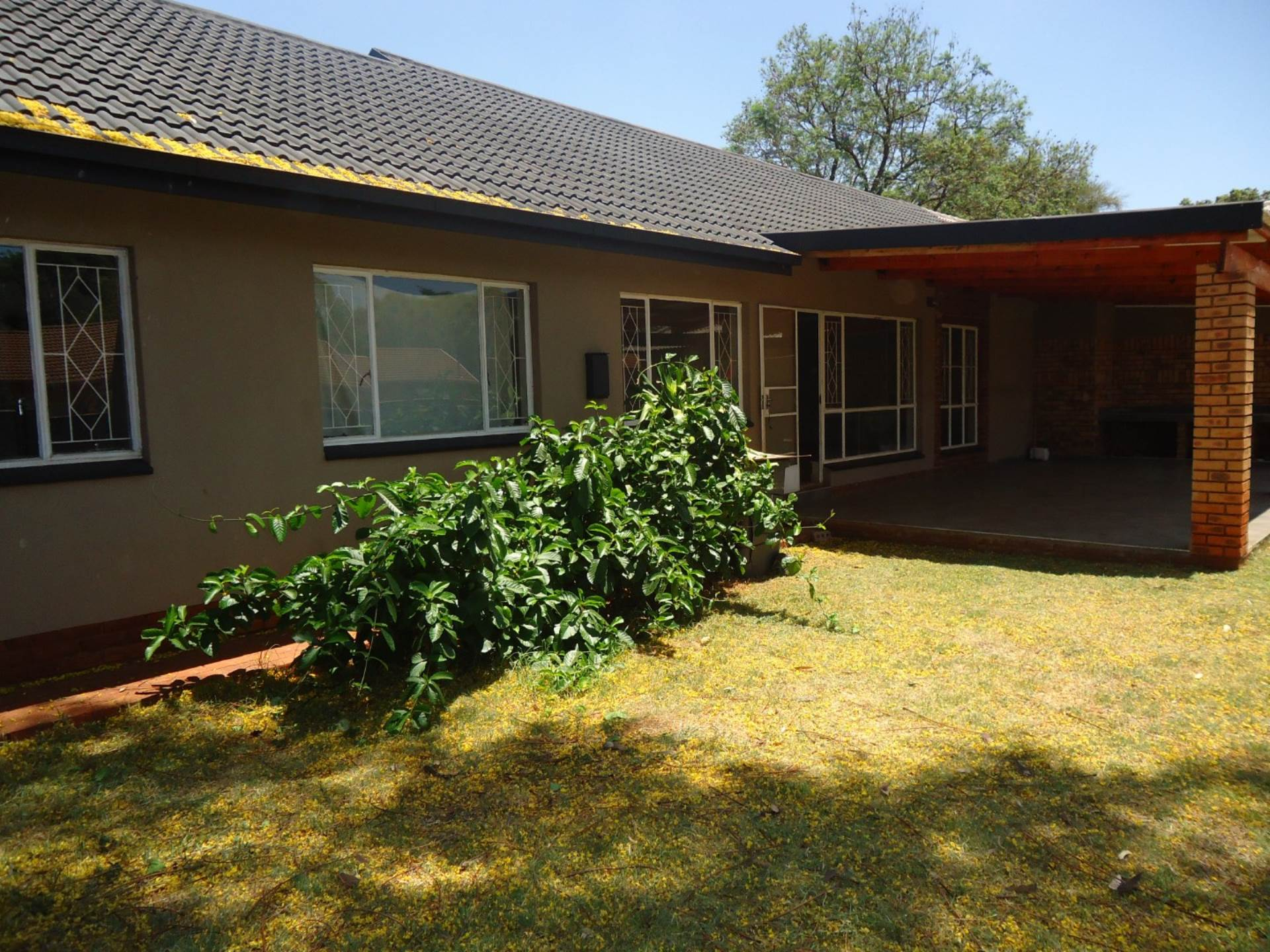 3 BedroomCluster For Sale In The Orchards