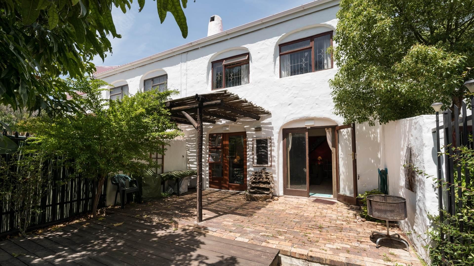 3 BedroomTownhouse For Sale In Longdown