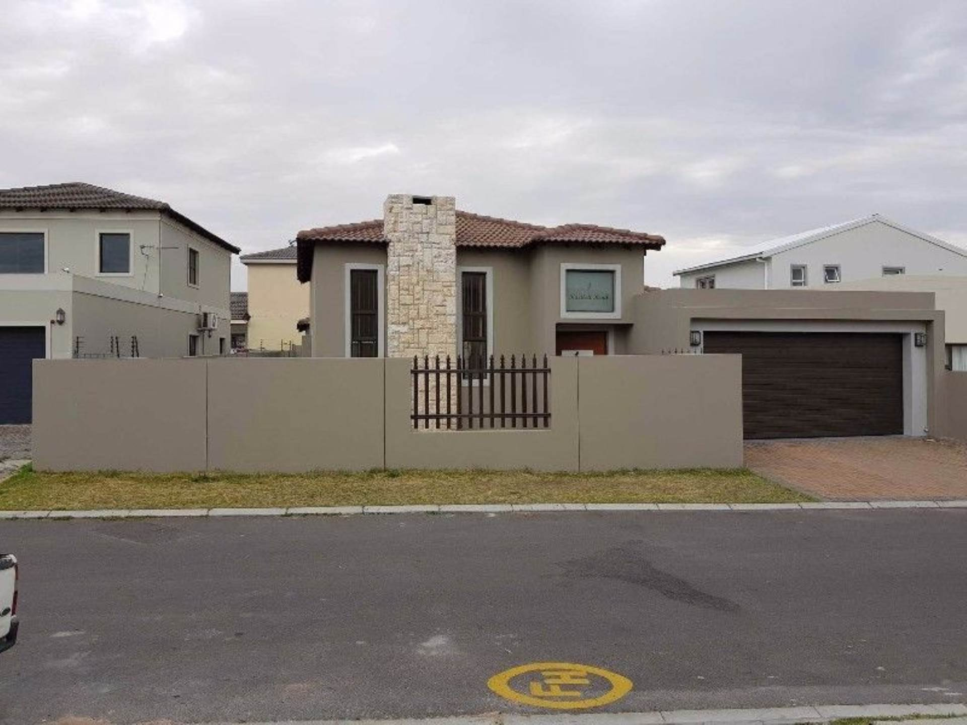 4 BedroomHouse For Sale In Parklands