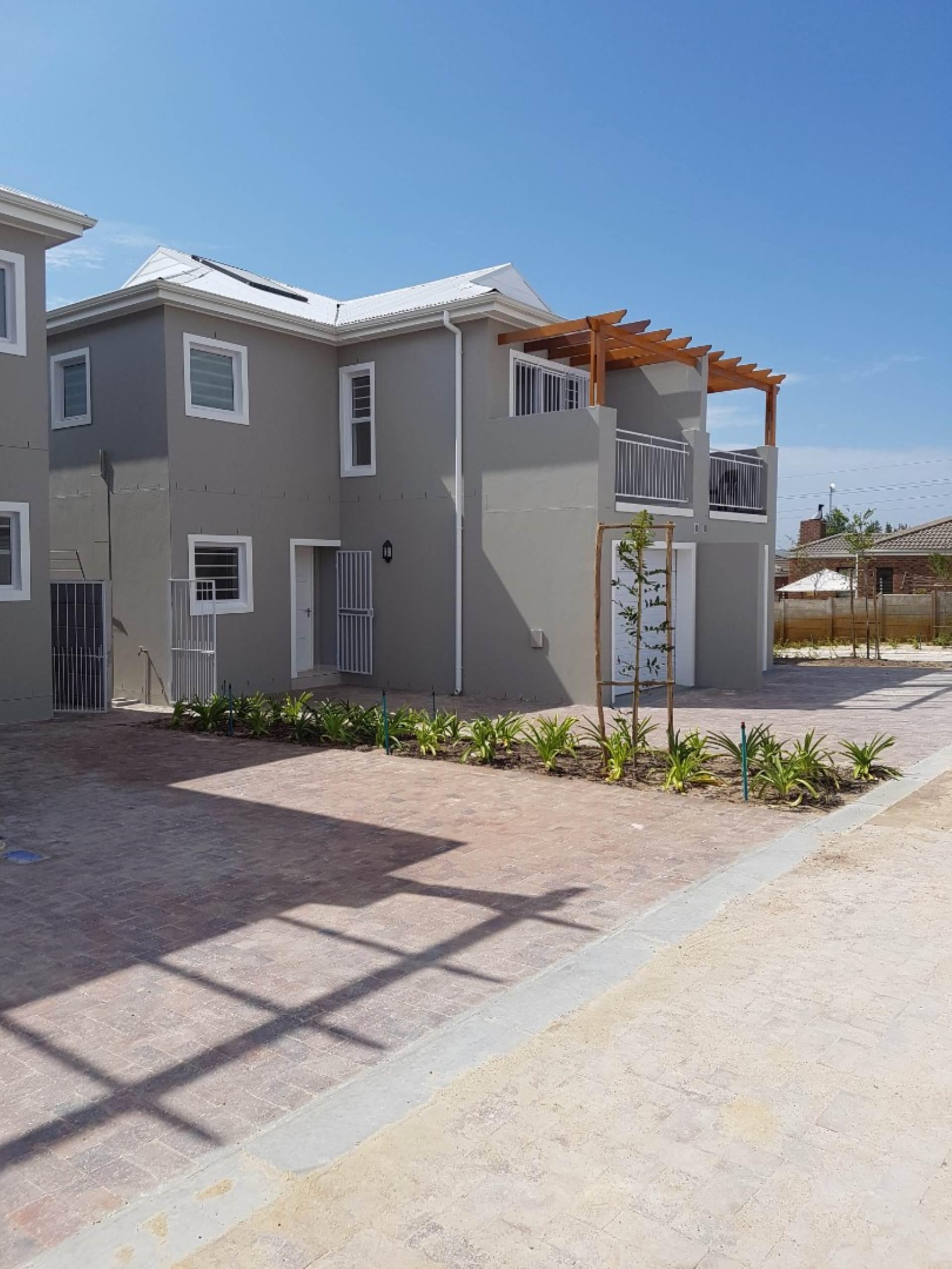3 BedroomTownhouse To Rent In Langeberg Ridge