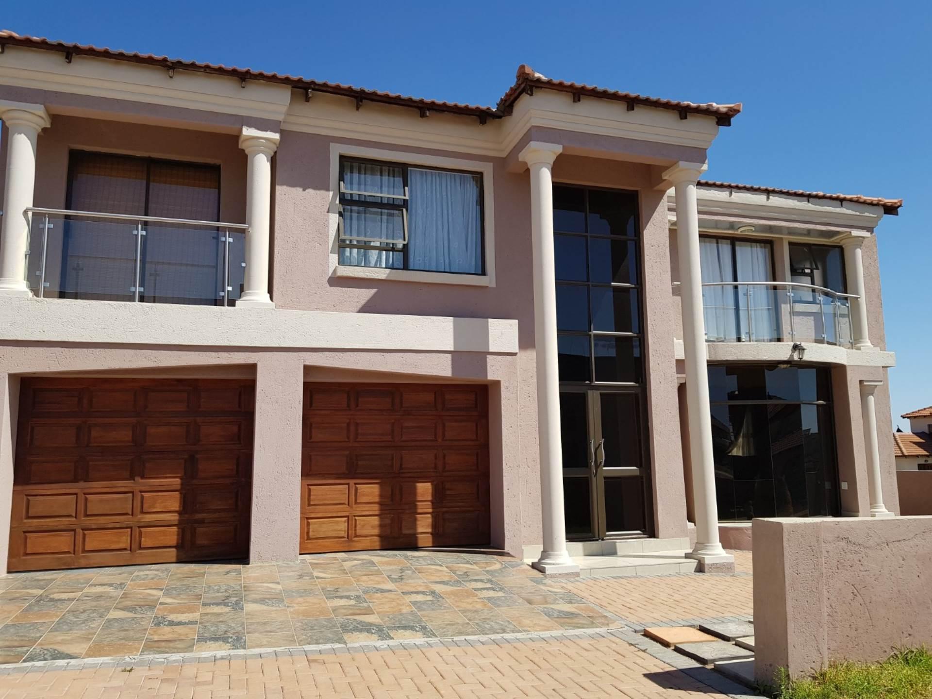 5 BedroomHouse For Sale In Bendor