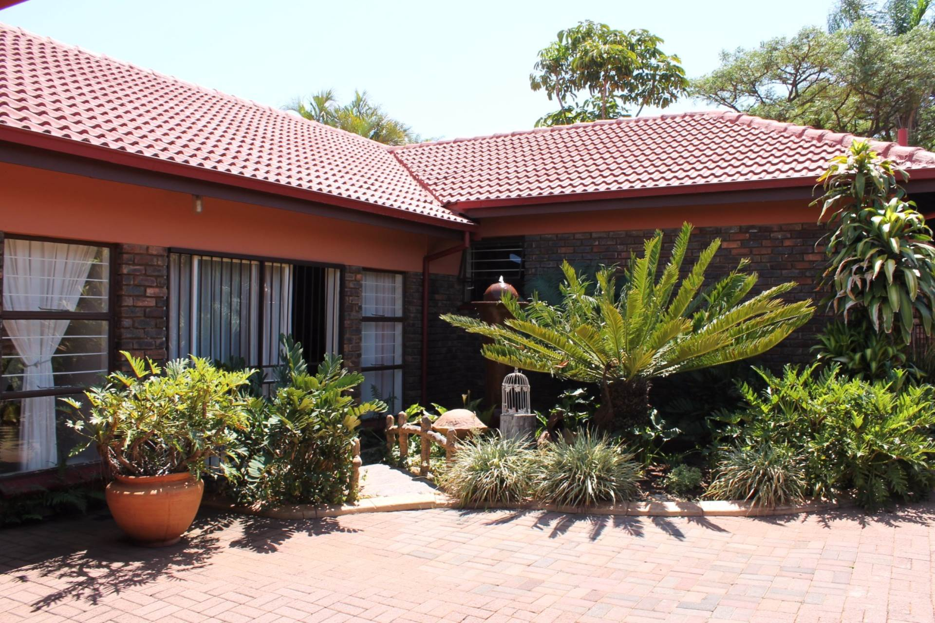 Property and Houses for sale in Theresapark, House, 3 Bedrooms - ZAR 1,720,000