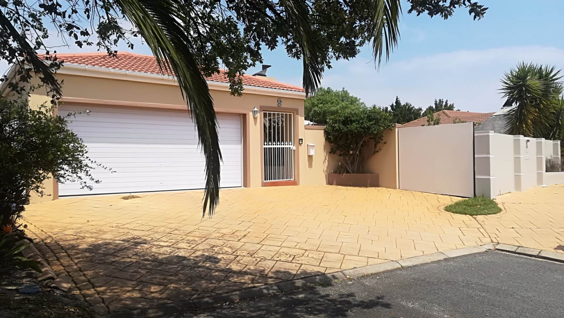 3 BedroomHouse For Sale In Parklands