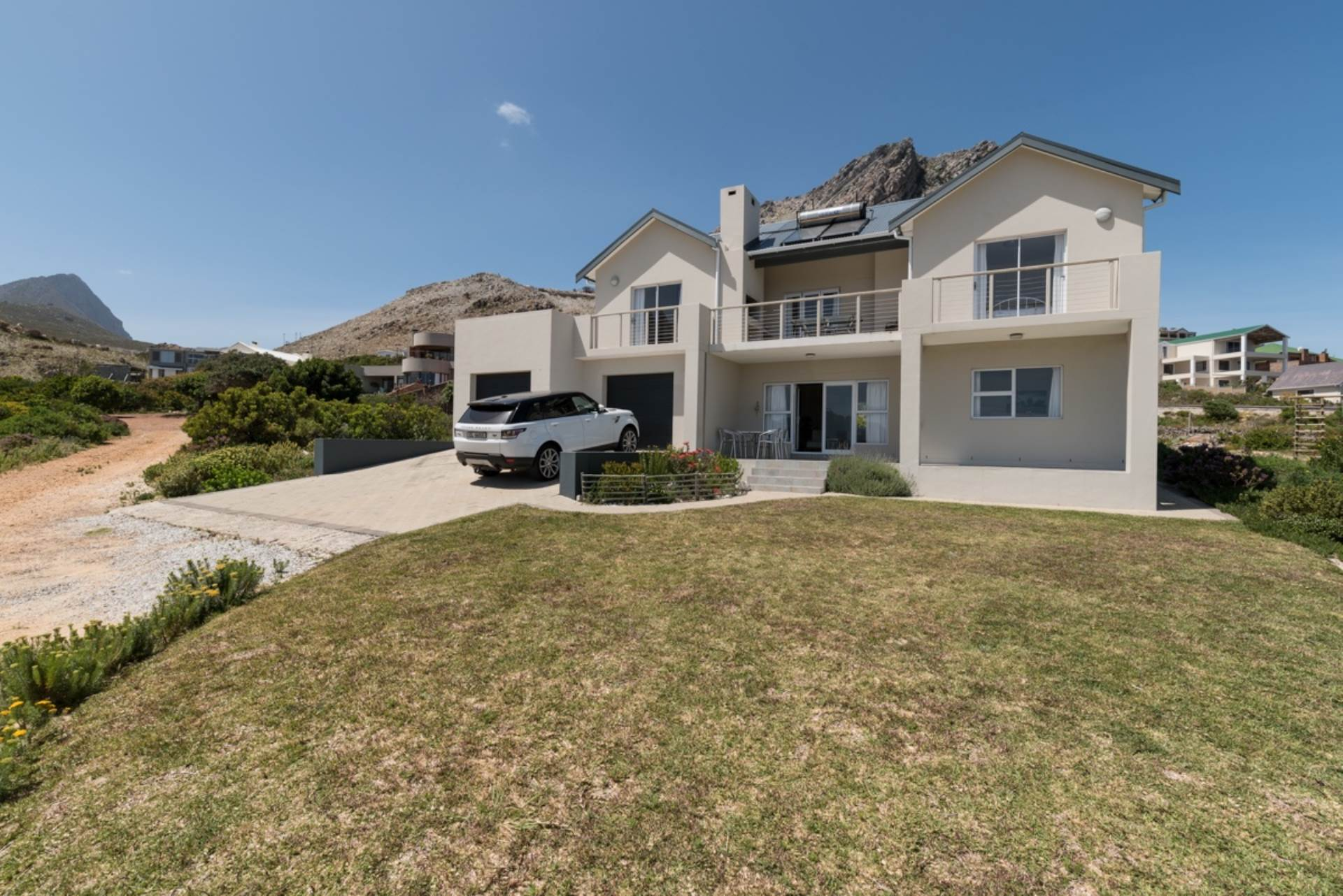 5 BedroomHouse For Sale In Rooi Els