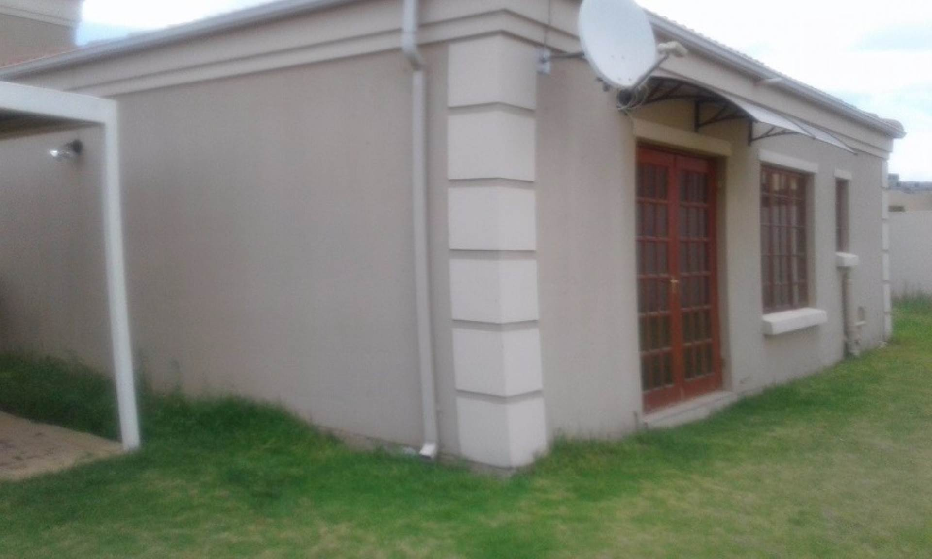 3 BedroomHouse To Rent In Blue Hills
