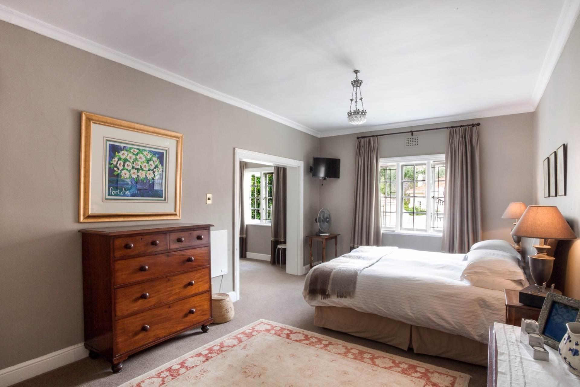Oranjezicht property for sale. Ref No: 13554333. Picture no 16
