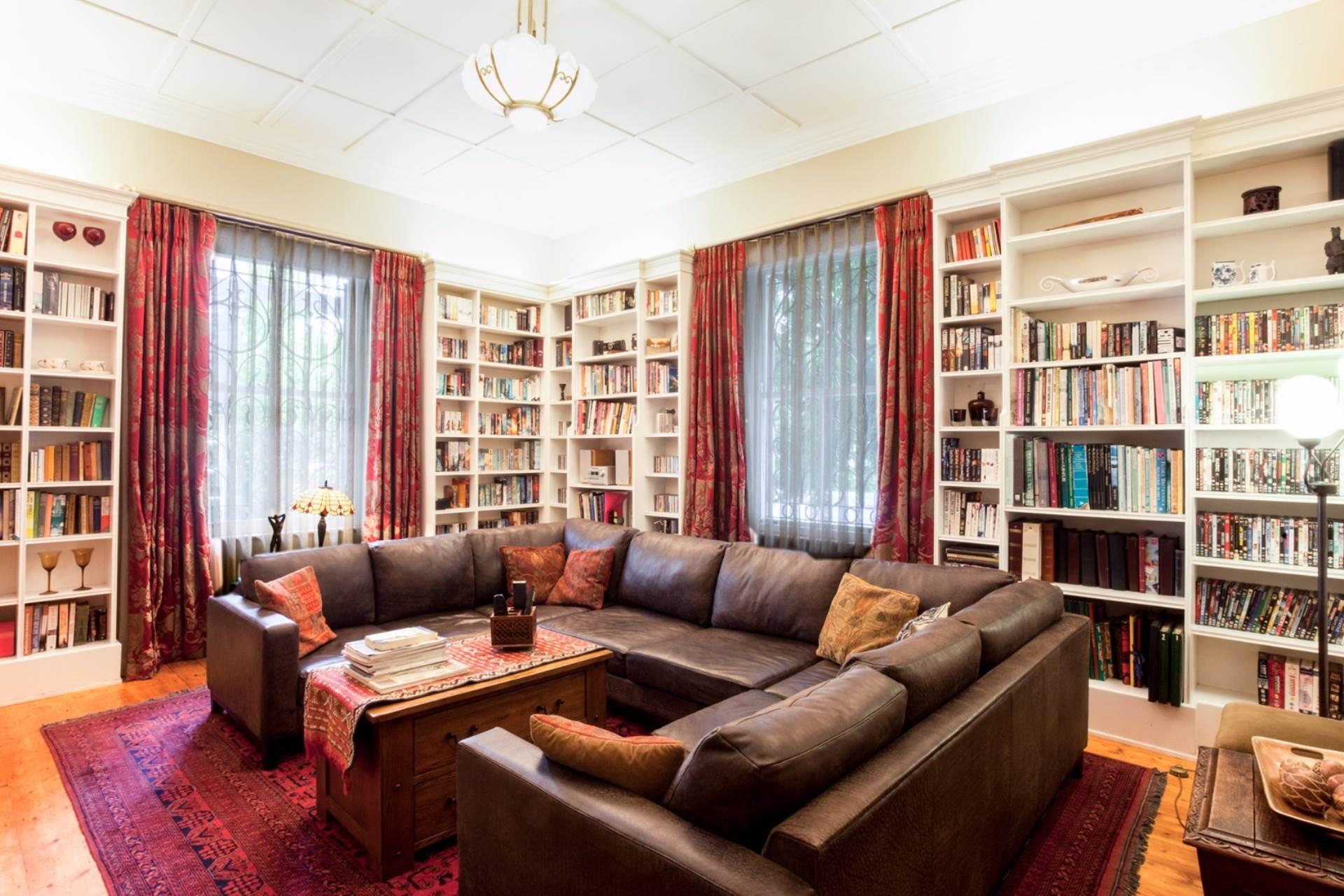 Oranjezicht property for sale. Ref No: 13554333. Picture no 7