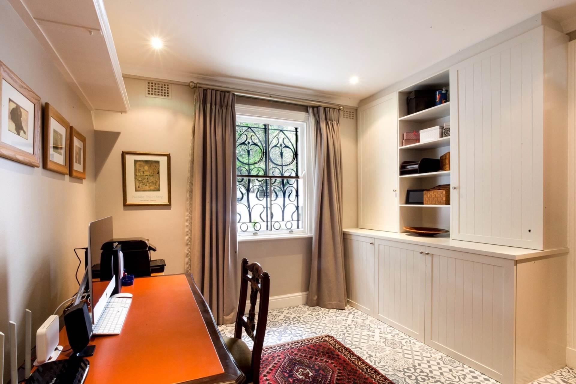 Oranjezicht property for sale. Ref No: 13554333. Picture no 11