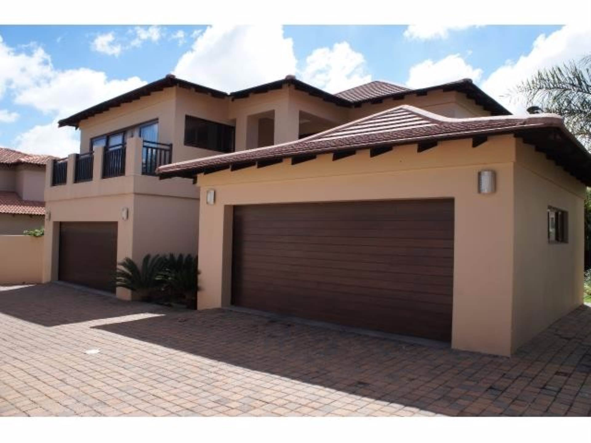 4 BedroomHouse To Rent In Eagle Canyon Golf Estate