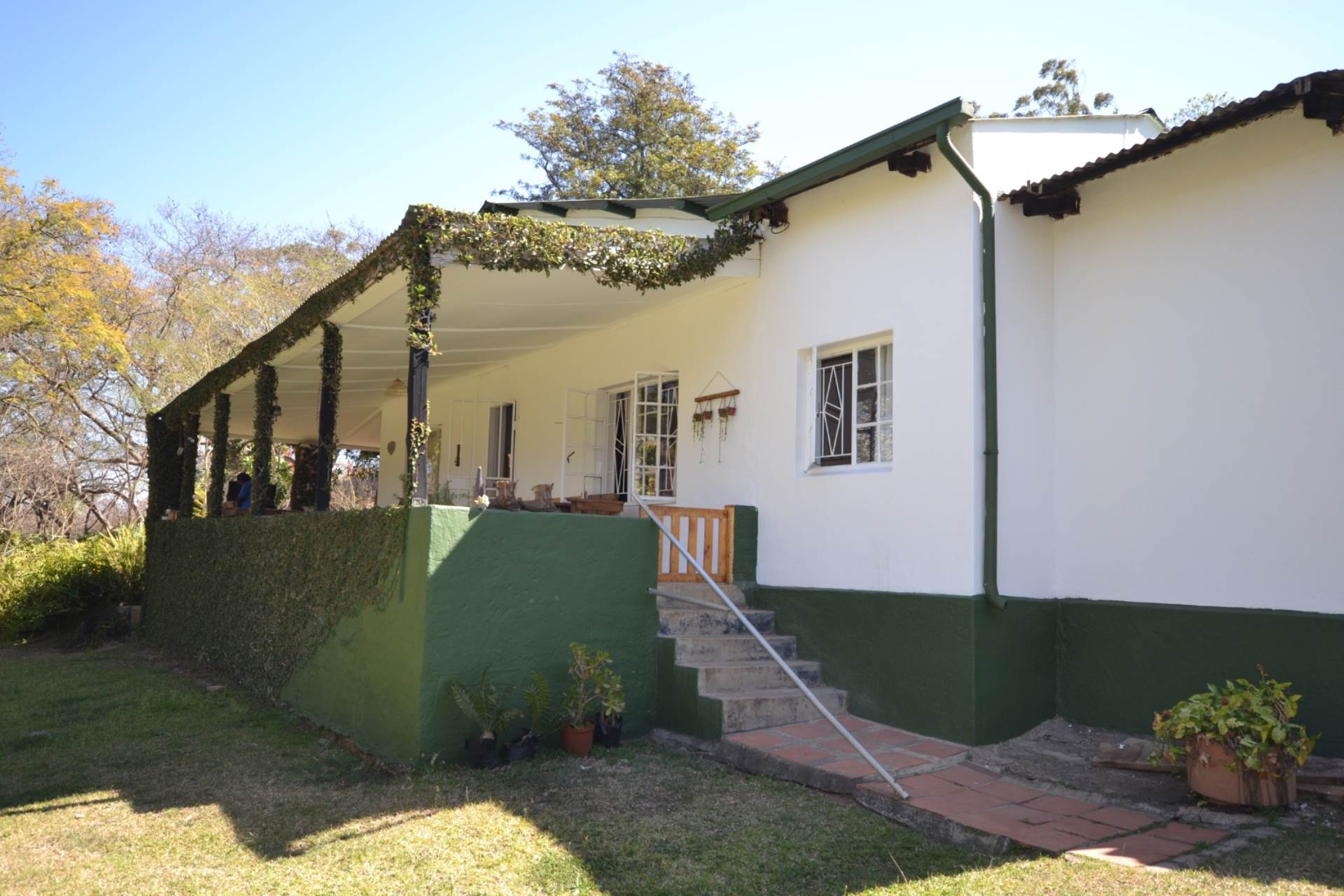 3 BedroomSmall Holding For Sale In White River