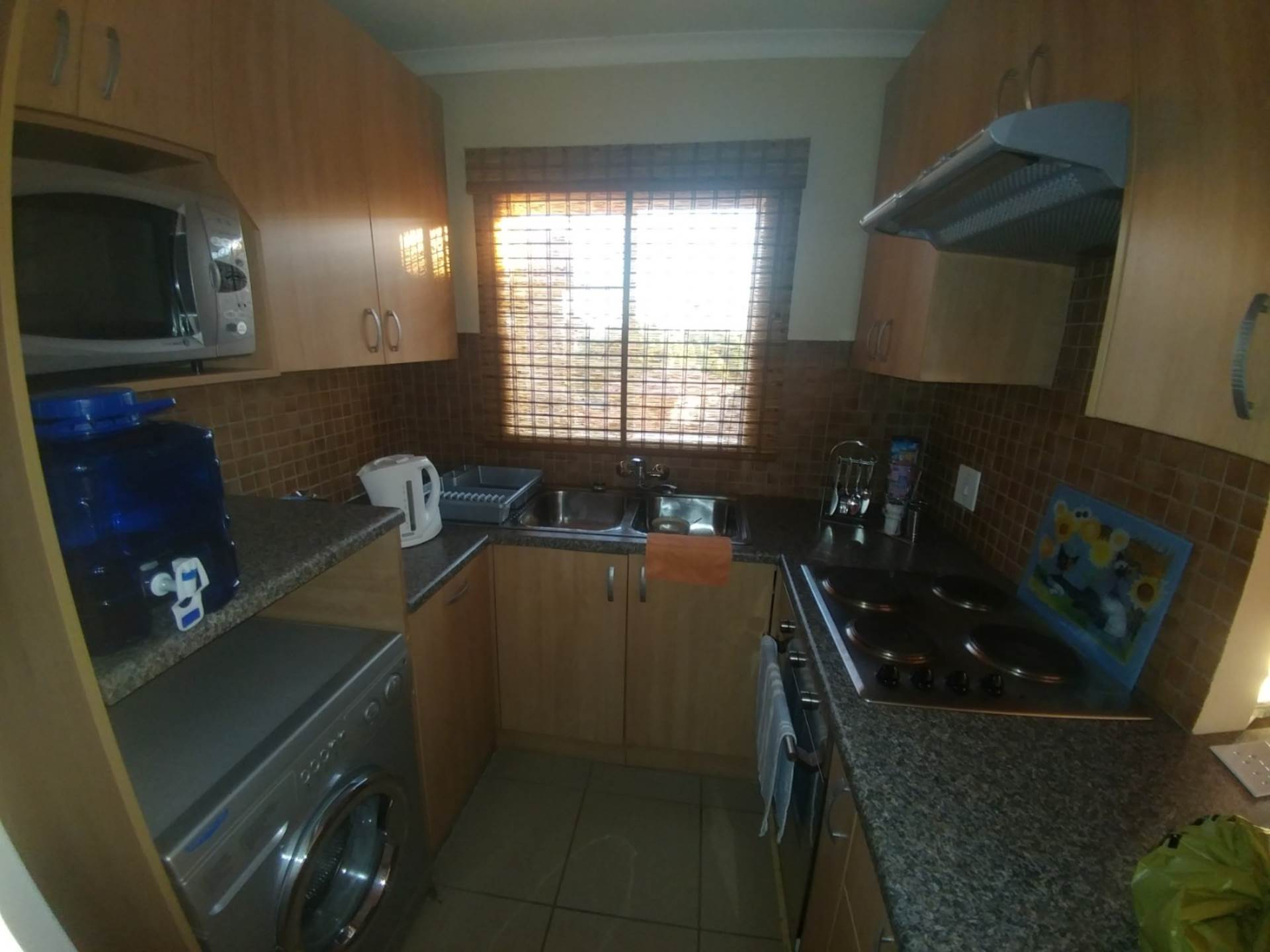 Die Hoewes to rent property. Ref No: 13565224. Picture no 3