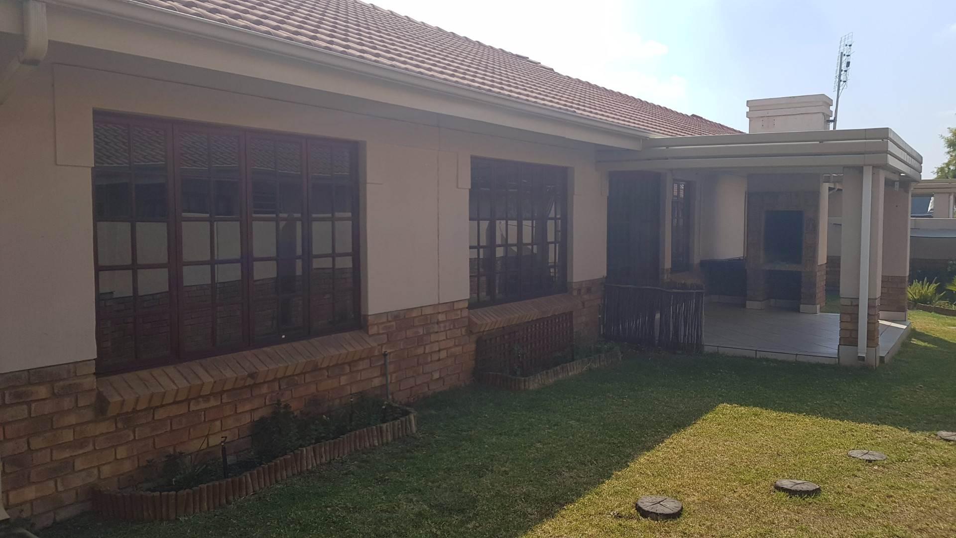 Pretoria, Equestria Property  | Houses To Rent Equestria, EQUESTRIA, Townhouse 3 bedrooms property to rent Price:, 11,00*