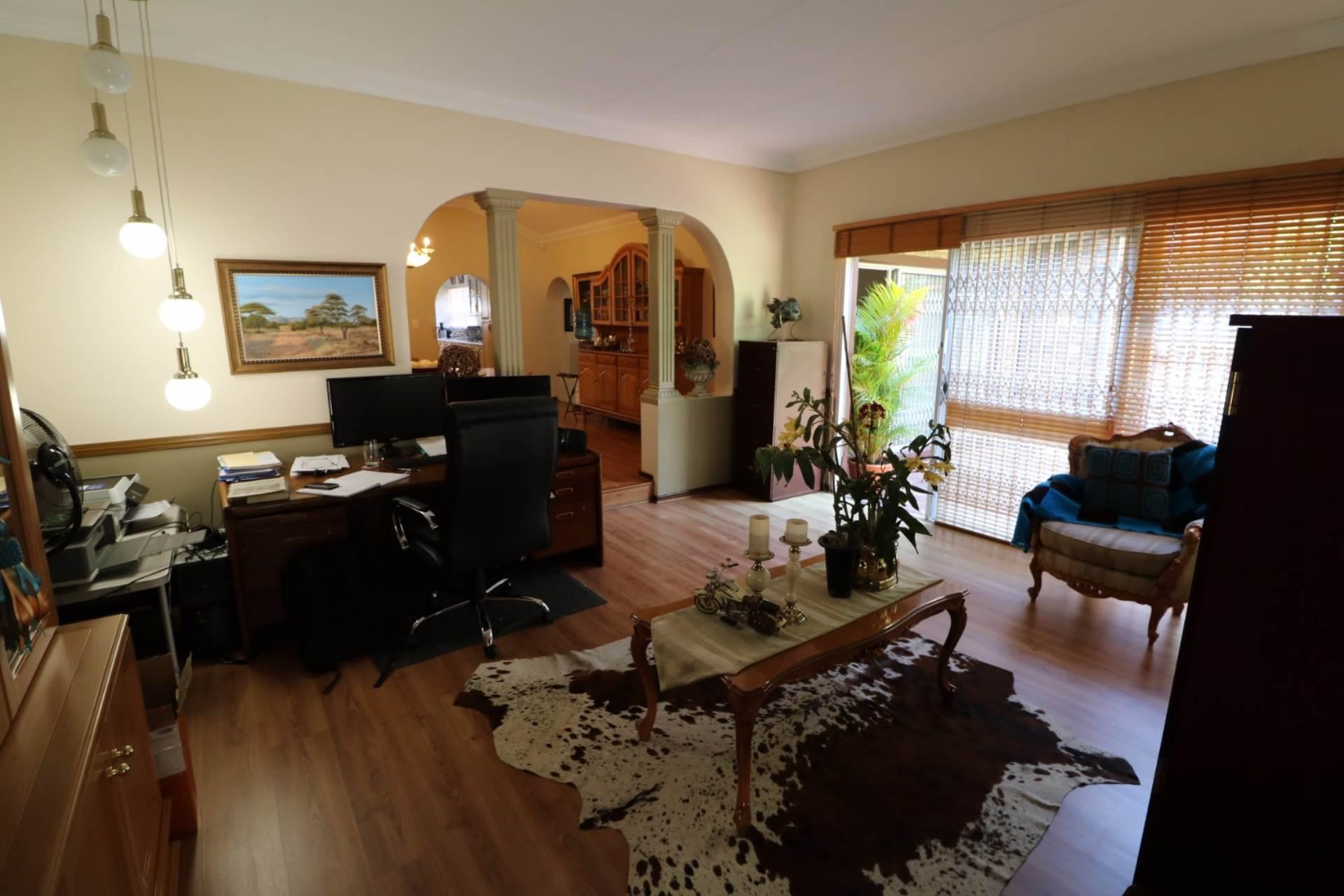 Constantia Park property for sale. Ref No: 13554702. Picture no 9