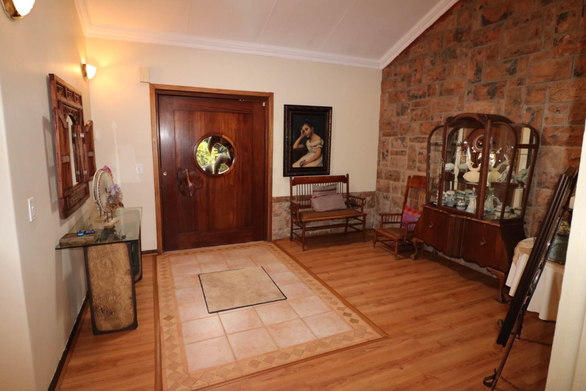 Constantia Park property for sale. Ref No: 13554702. Picture no 5