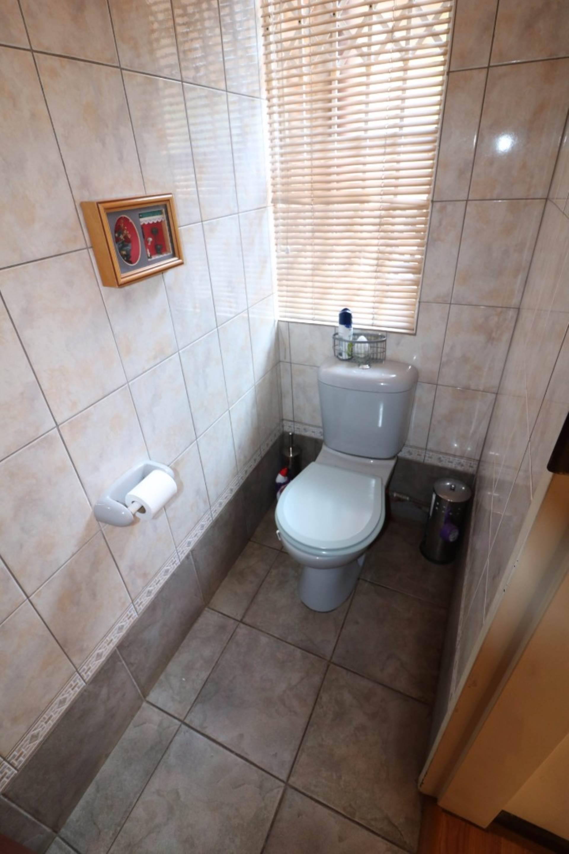 Constantia Park property for sale. Ref No: 13554702. Picture no 18