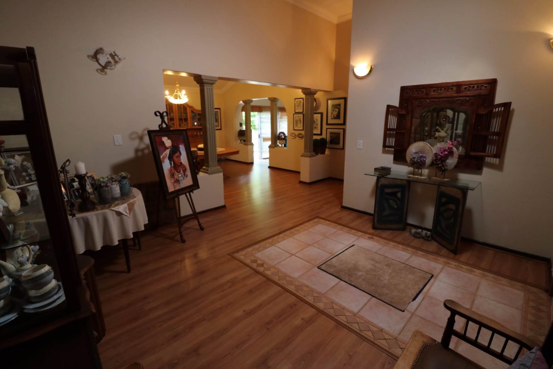 Constantia Park property for sale. Ref No: 13554702. Picture no 6