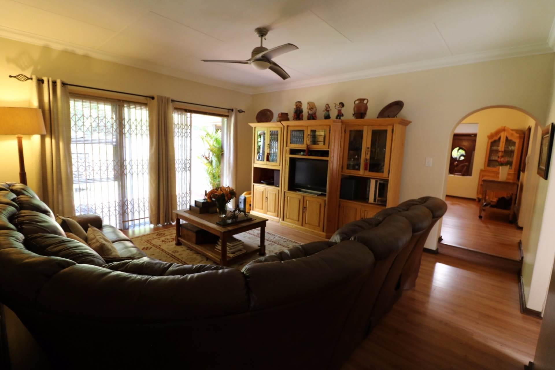 Constantia Park property for sale. Ref No: 13554702. Picture no 8