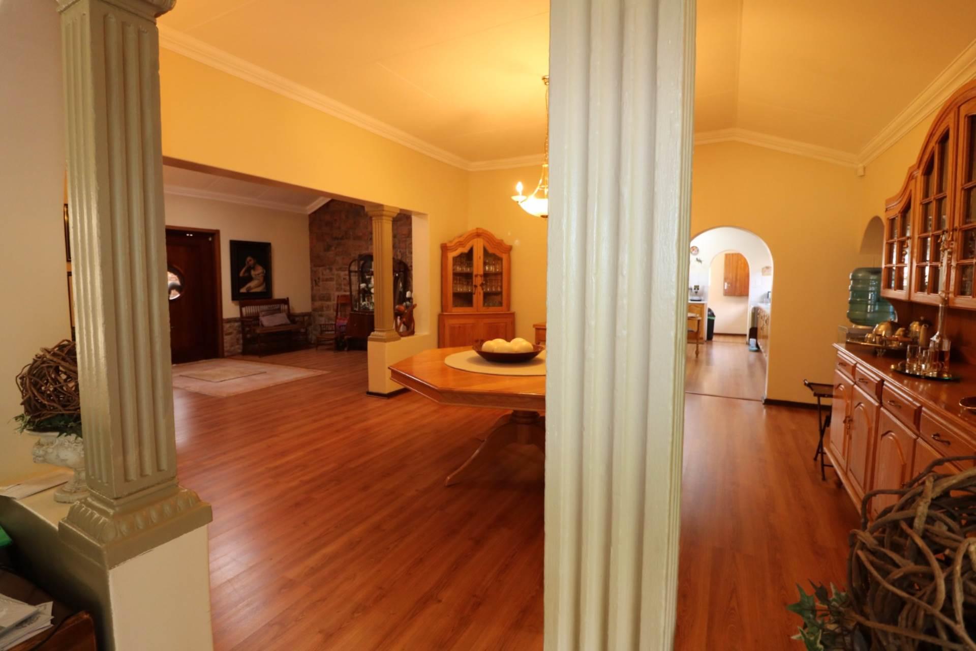 Constantia Park property for sale. Ref No: 13554702. Picture no 7