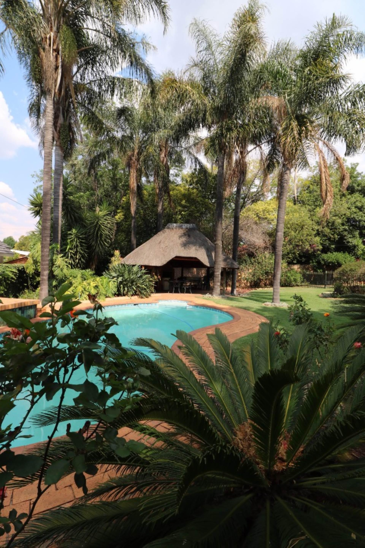 Constantia Park property for sale. Ref No: 13554702. Picture no 4