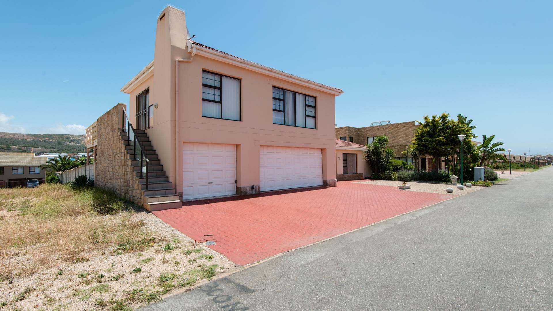 3 BedroomHouse For Sale In Diaz Beach