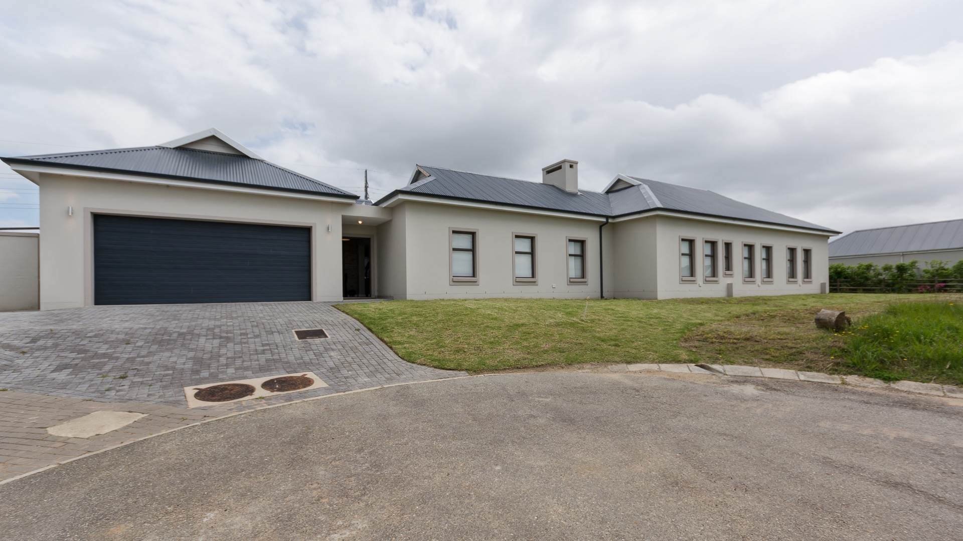 5 BedroomHouse For Sale In Kraaibosch Country Estate