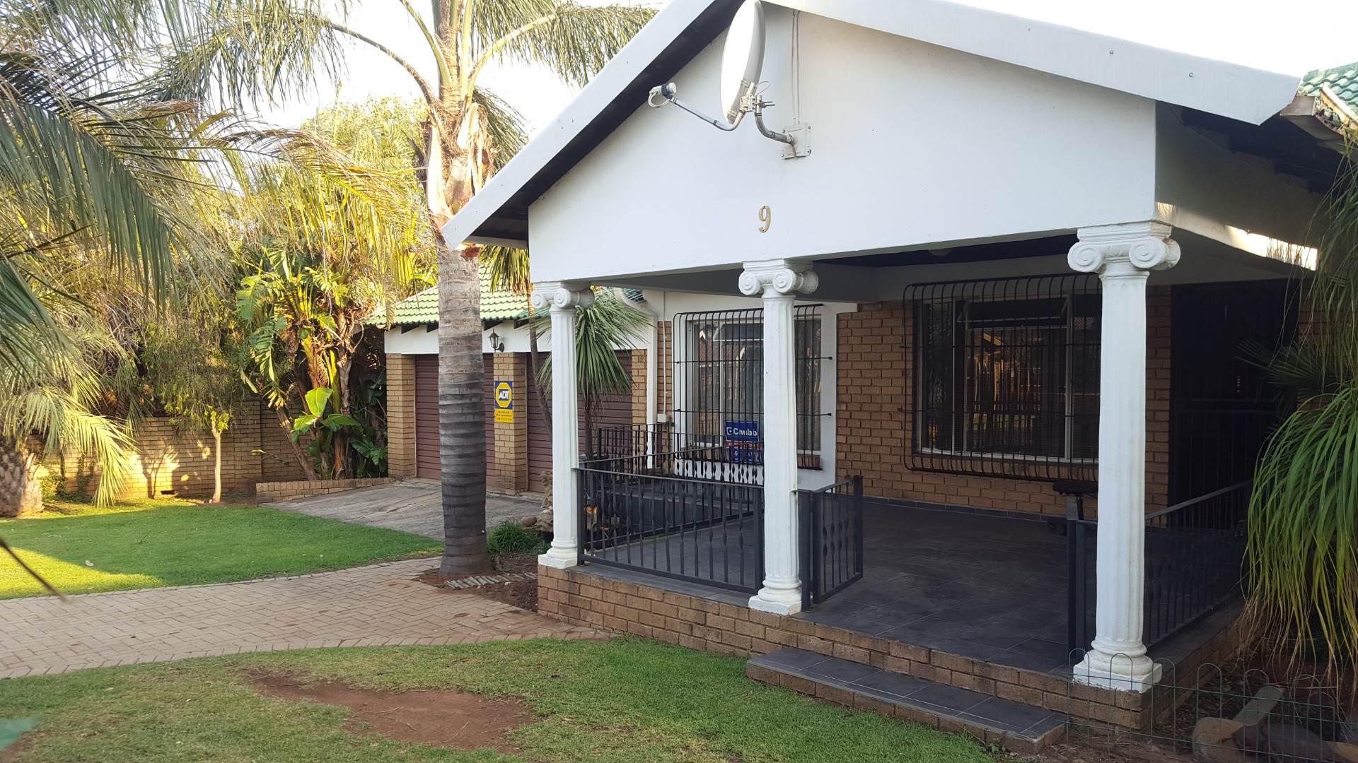 3 BedroomHouse To Rent In Ben Fleur
