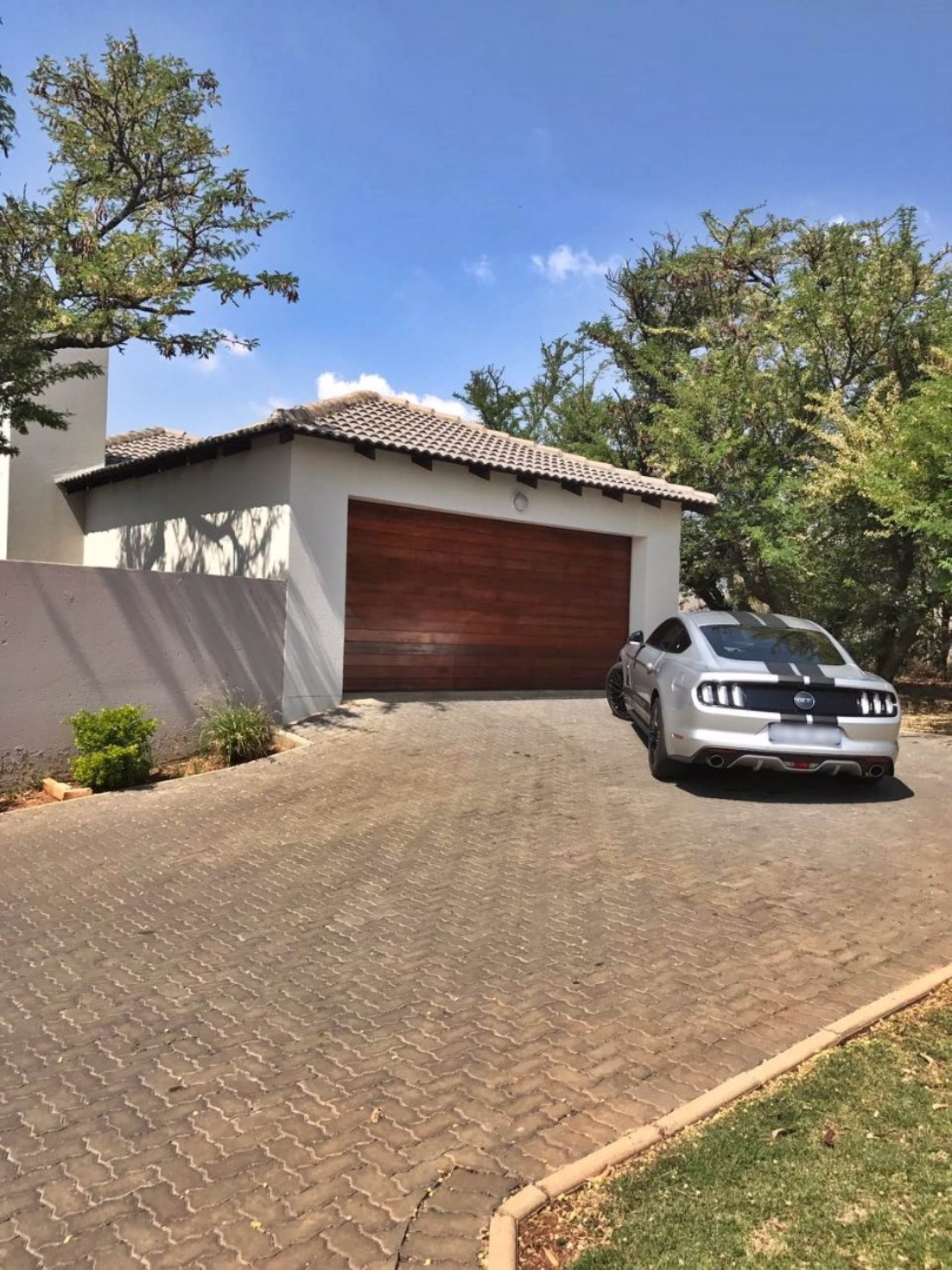 2 BedroomTownhouse For Sale In Thatchfield Estate
