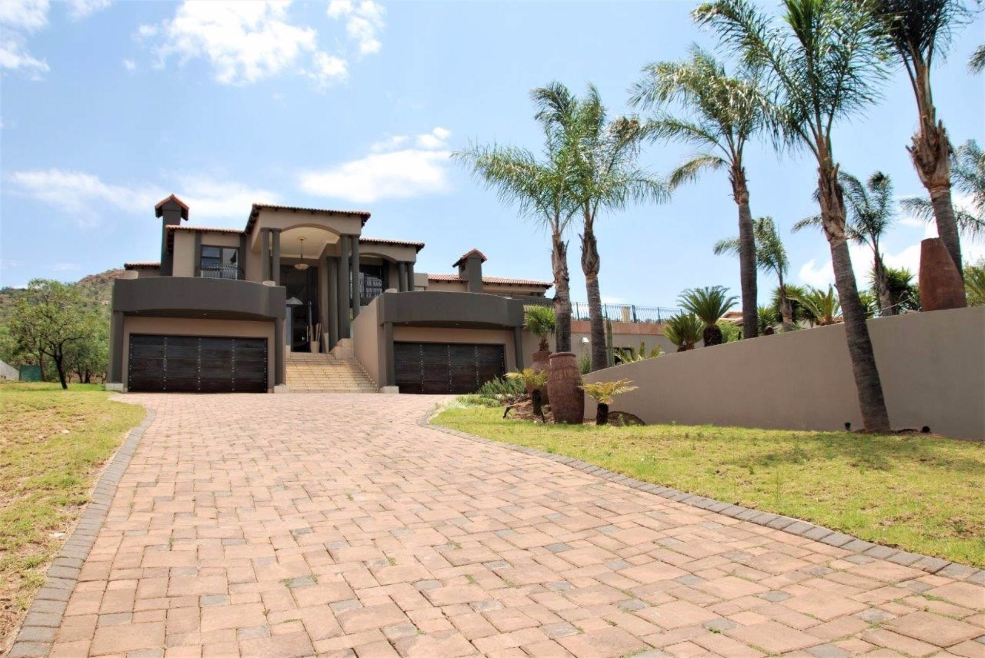 5 BedroomHouse To Rent In Featherbrooke Estate