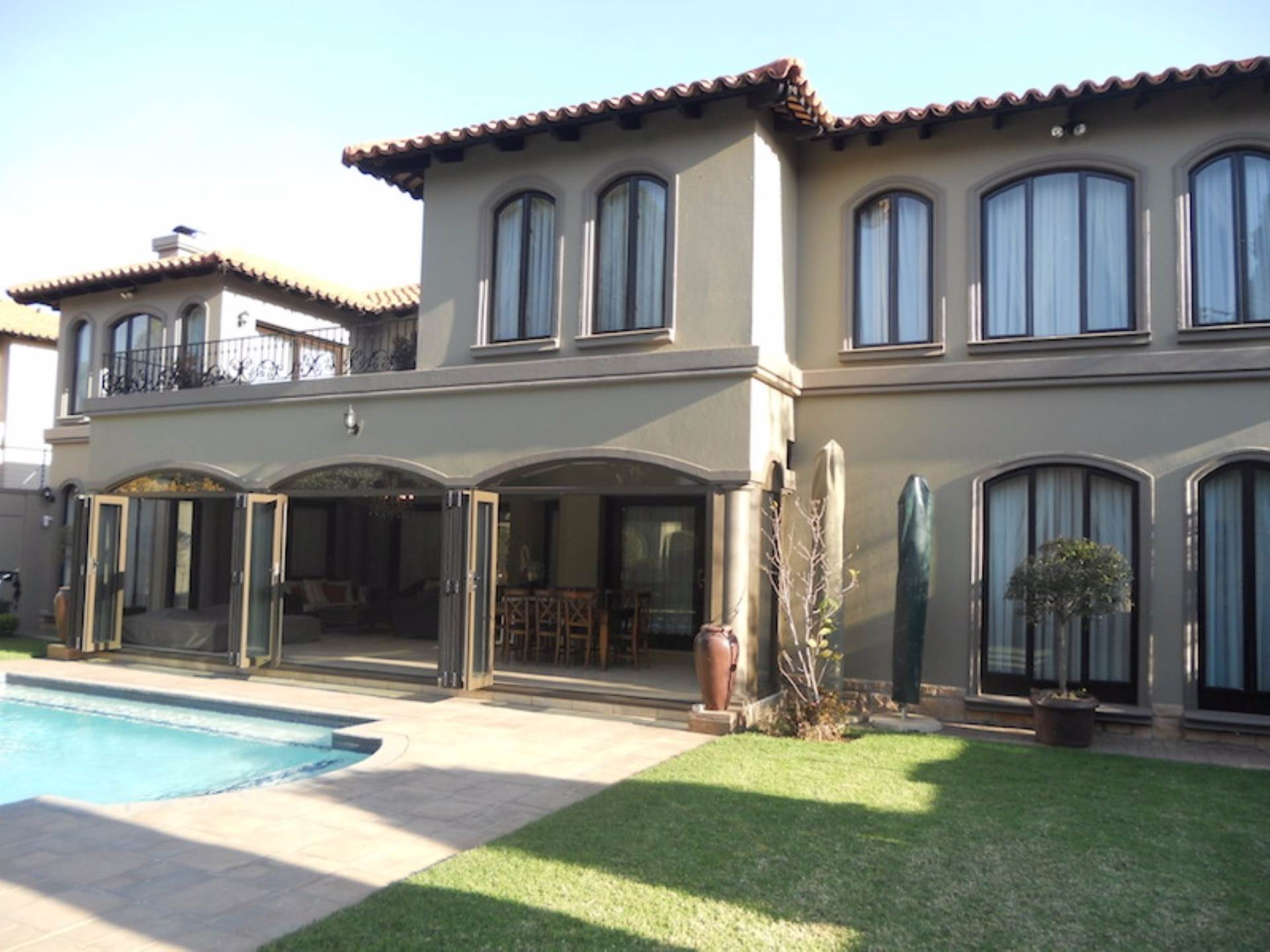 6 BedroomHouse To Rent In Bedfordview