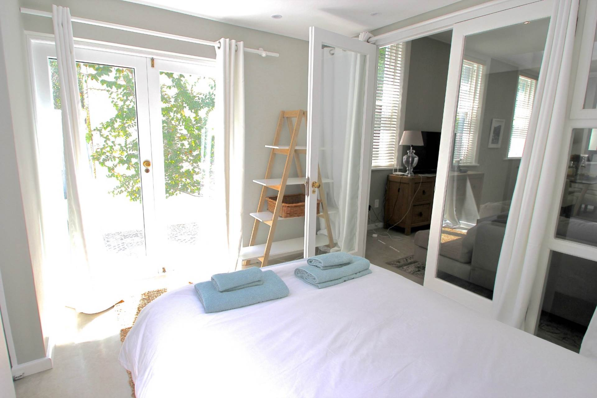 Sea Point property for sale. Ref No: 13561353. Picture no 11