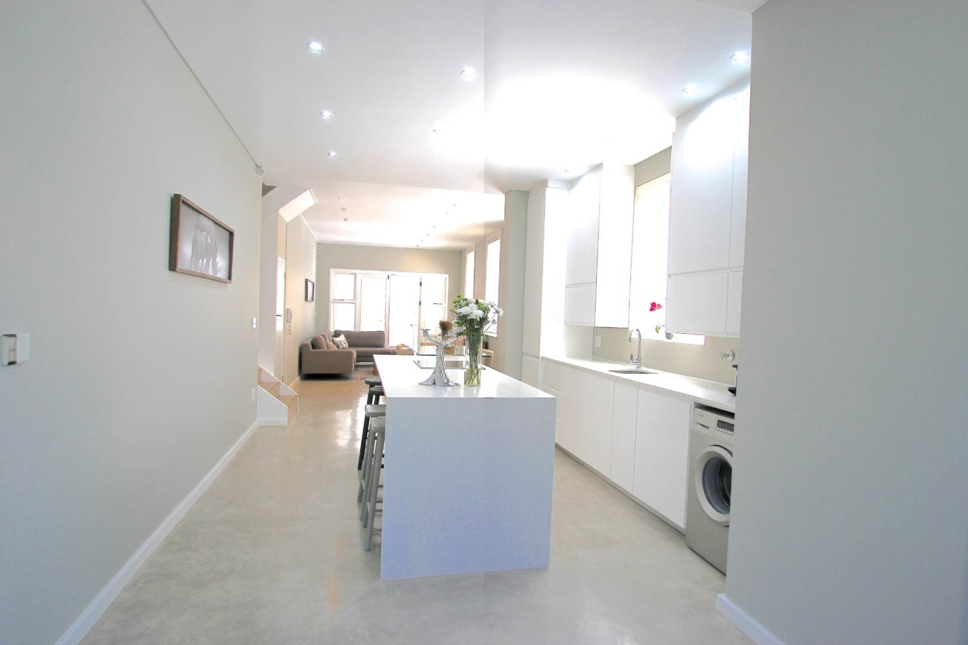 Sea Point property for sale. Ref No: 13561353. Picture no 6