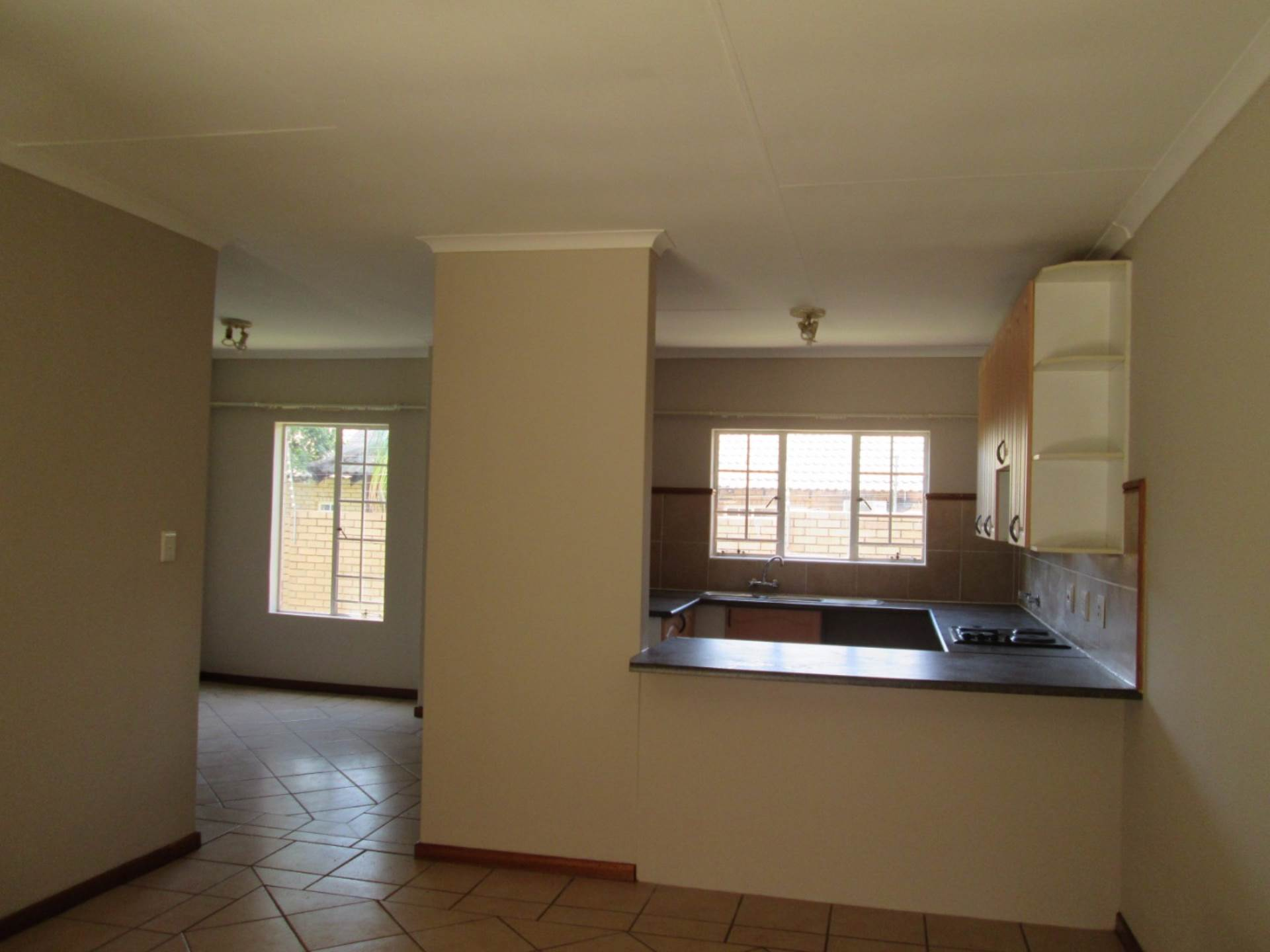 Moreleta Park property to rent. Ref No: 13561959. Picture no 5