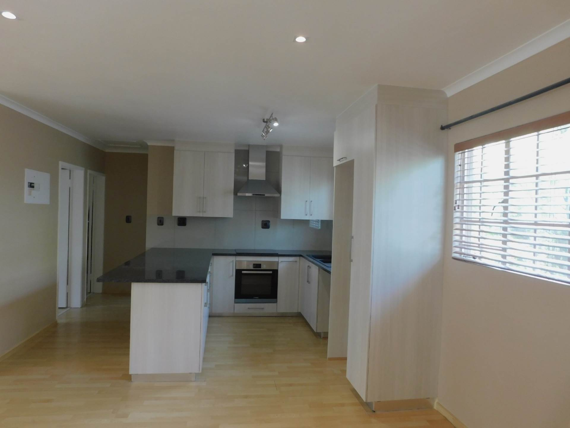 2 BedroomApartment To Rent In Melrose